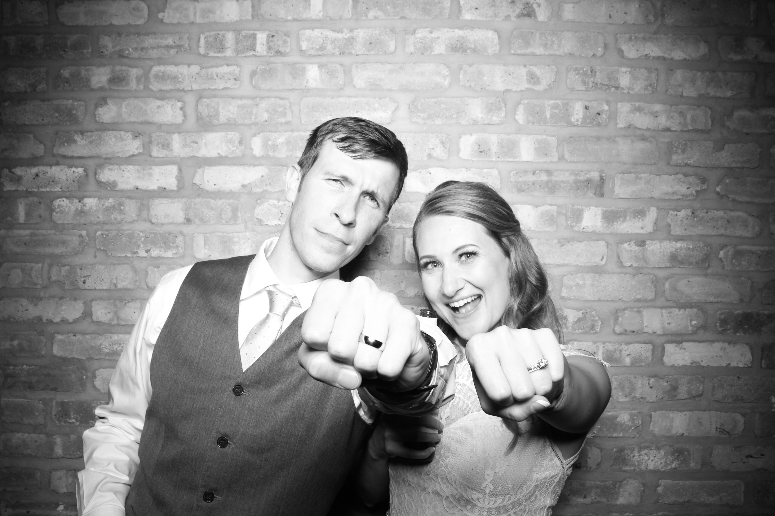 Chicago_Vintage_Wedding_Photobooth_Rockwell_on_the_River_16.jpg