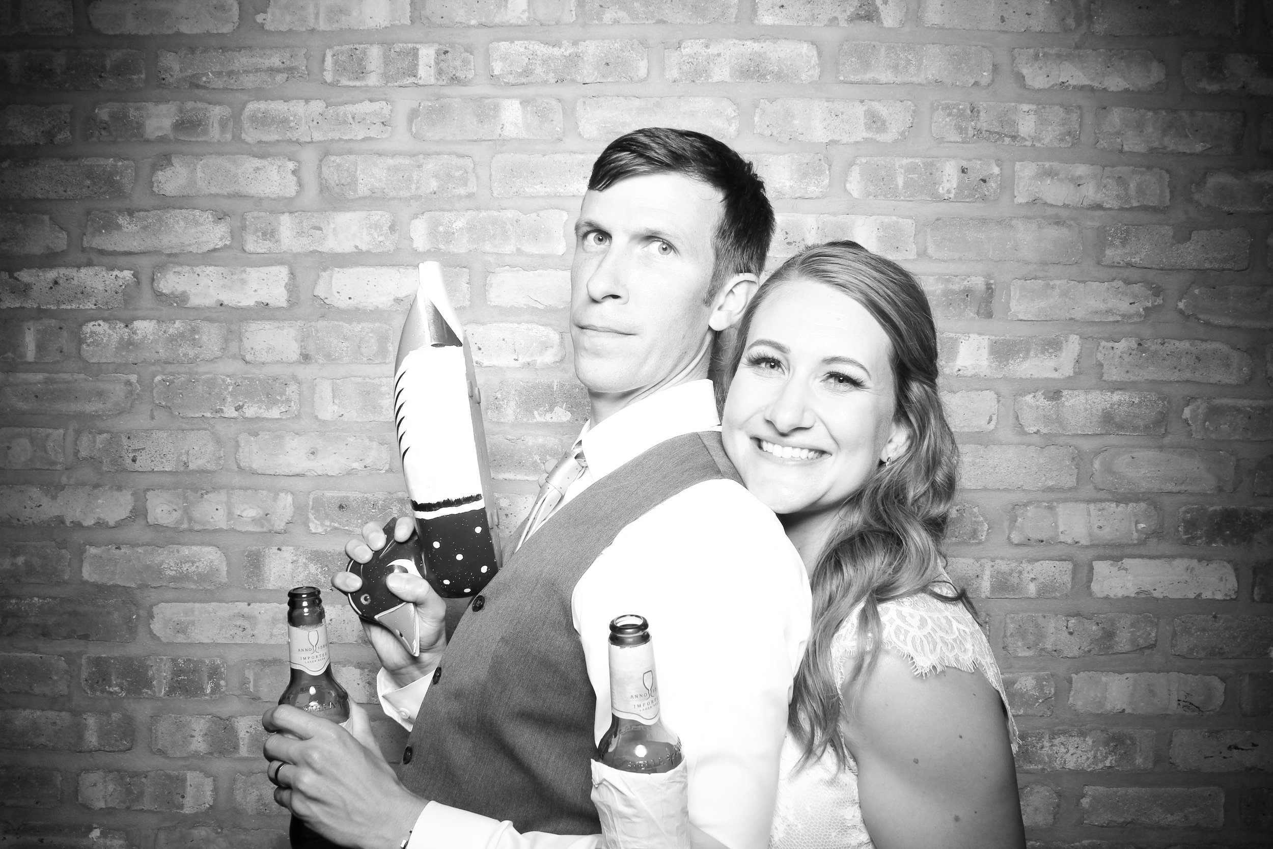 Chicago_Vintage_Wedding_Photobooth_Rockwell_on_the_River_18.jpg