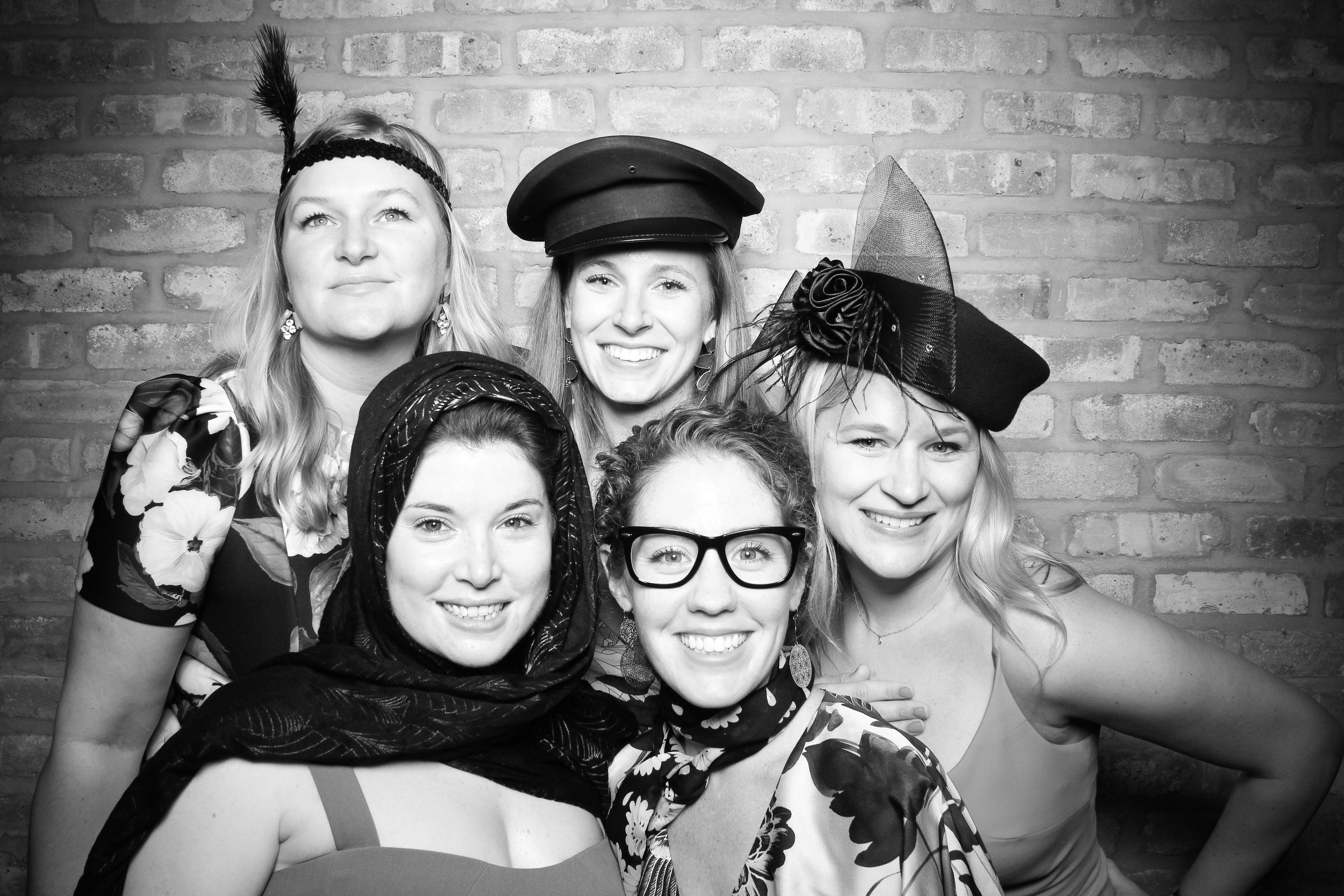 Chicago_Vintage_Wedding_Photobooth_Rockwell_on_the_River_22.jpg