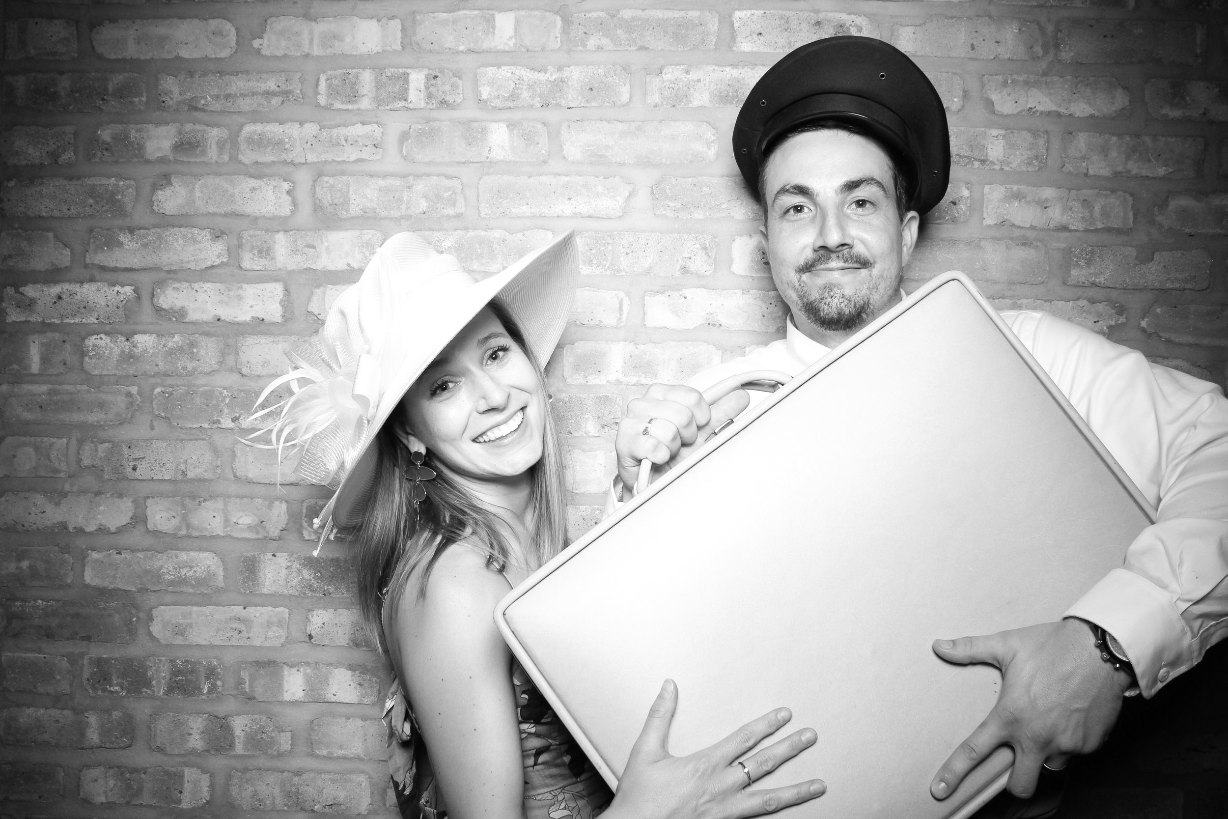 Chicago_Vintage_Wedding_Photobooth_Rockwell_on_the_River_23.jpg