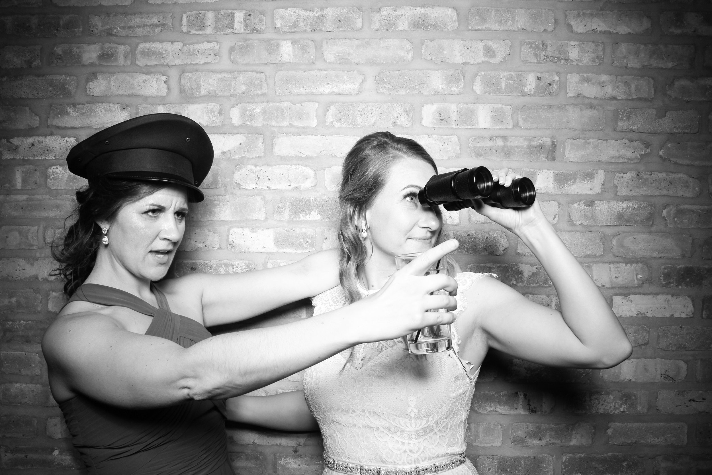 Chicago_Vintage_Wedding_Photobooth_Rockwell_on_the_River_24.jpg