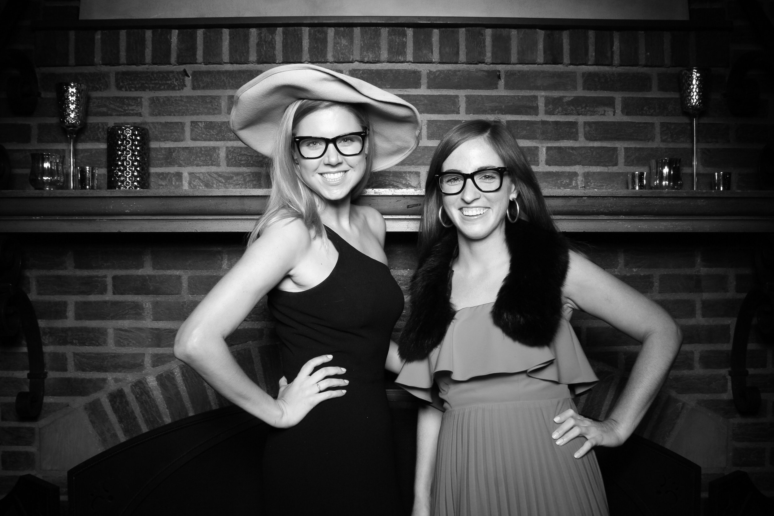 Medinah_Country_Club_Weddng_Reception_Photo_Booth_Cocktail_Hour_Foyer_05.jpg