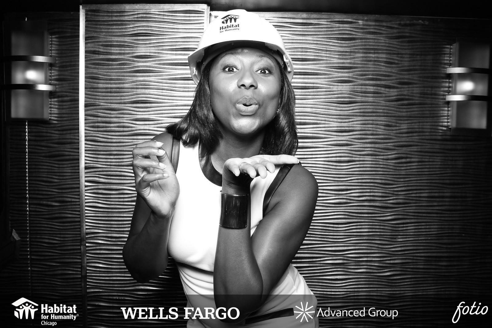 Chicago_Vintage_Wedding_Photobooth_Dusable_Harbor_Yacht_01.jpg