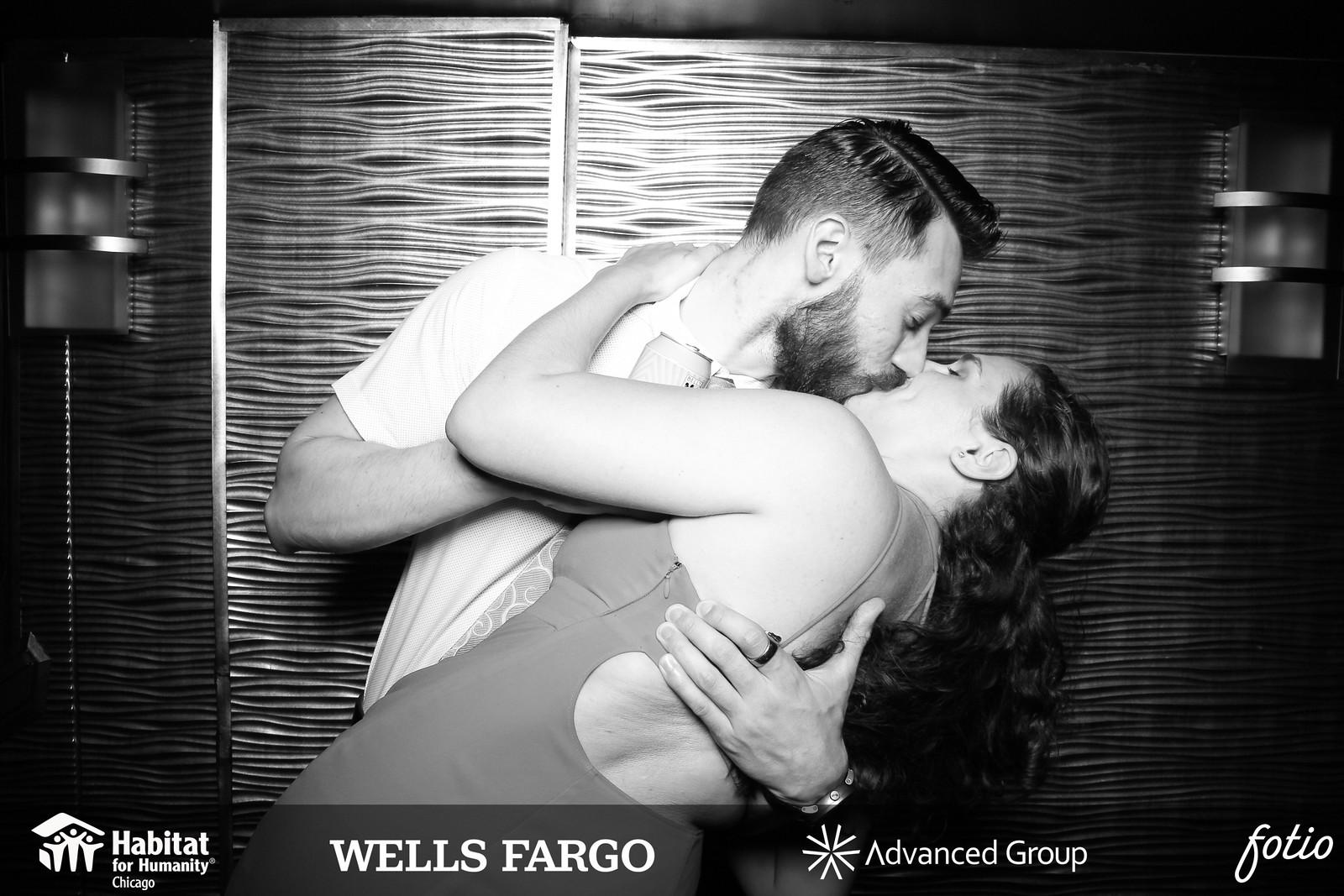 Chicago_Vintage_Wedding_Photobooth_Dusable_Harbor_Yacht_22.jpg