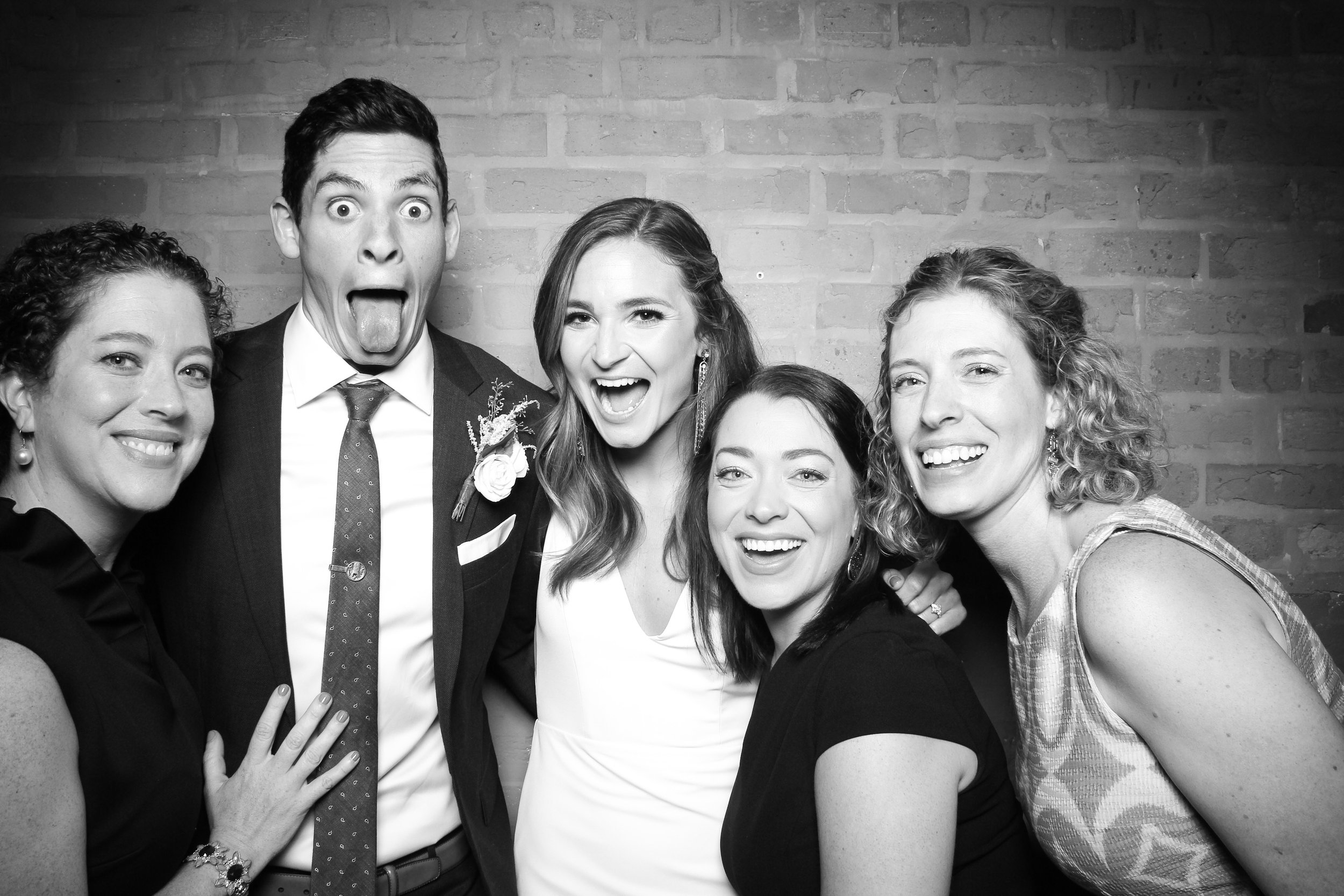 Chicago_Vintage_Wedding_Photobooth_Fairlie_13.jpg