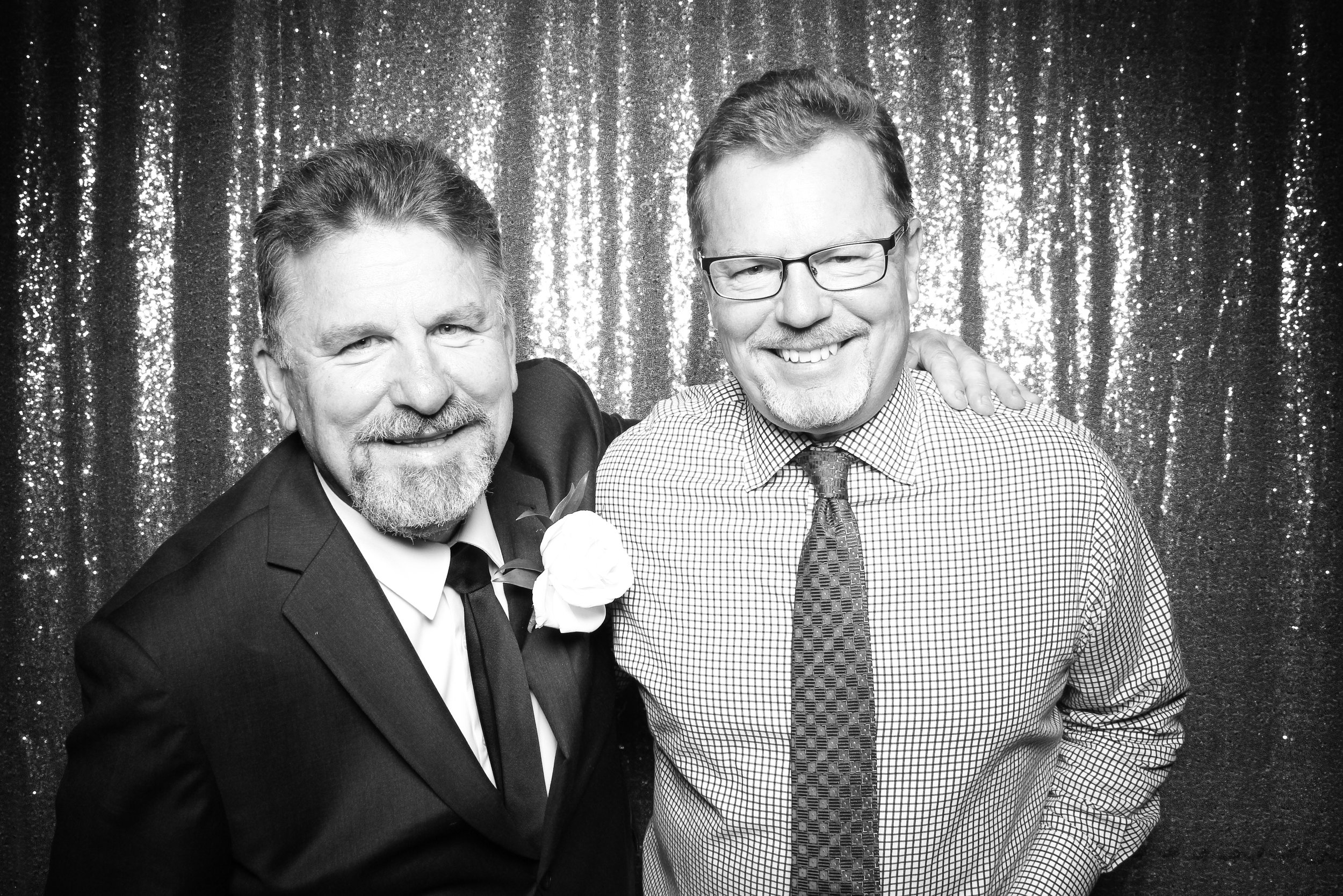 Chicago_Vintage_Wedding_Photobooth_Wisconsin_13.jpg