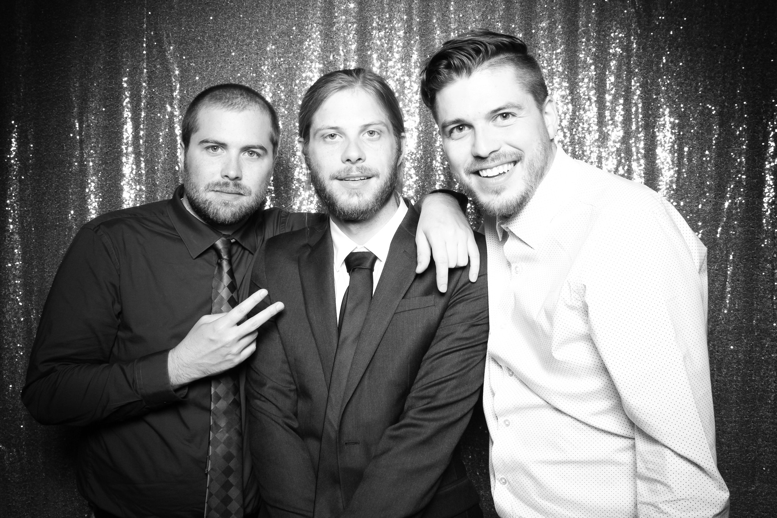 Chicago_Vintage_Wedding_Photobooth_Wisconsin_16.jpg