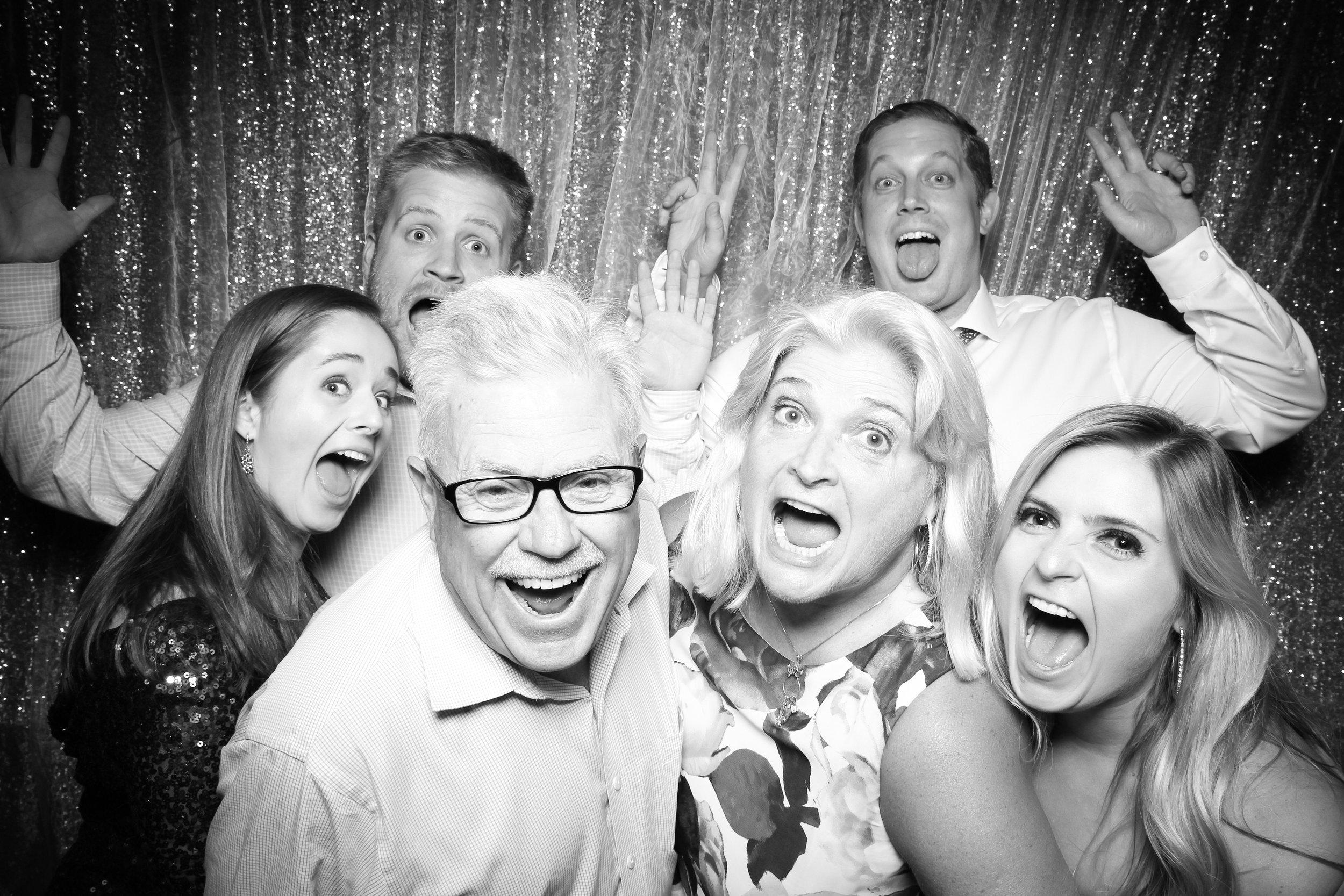 Cafe_Brauer_Chicago_Wedding_Loggia_Photo_Booth_08.jpg