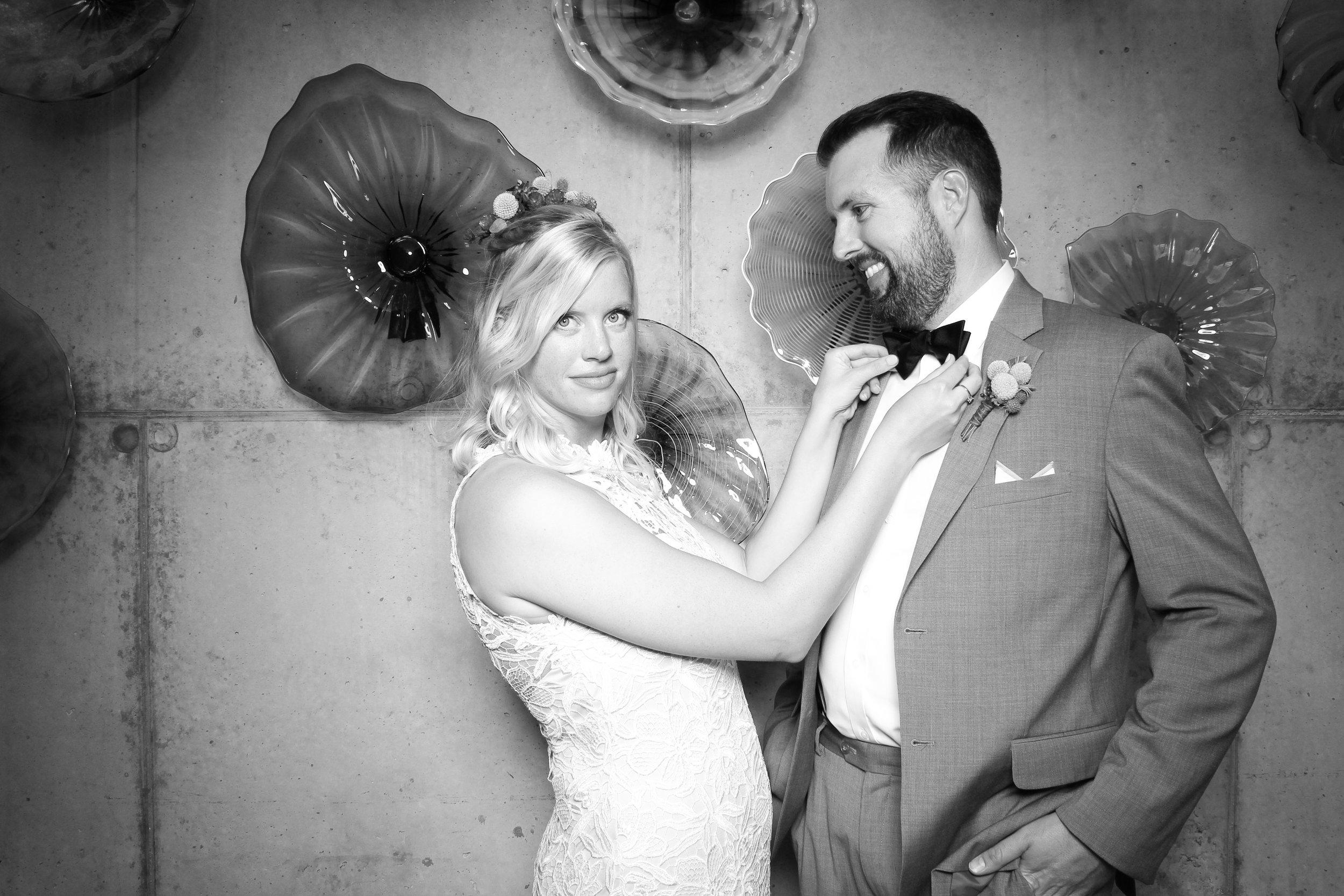 Chicago_Vintage_Wedding_Photobooth_Ignite_03.jpg