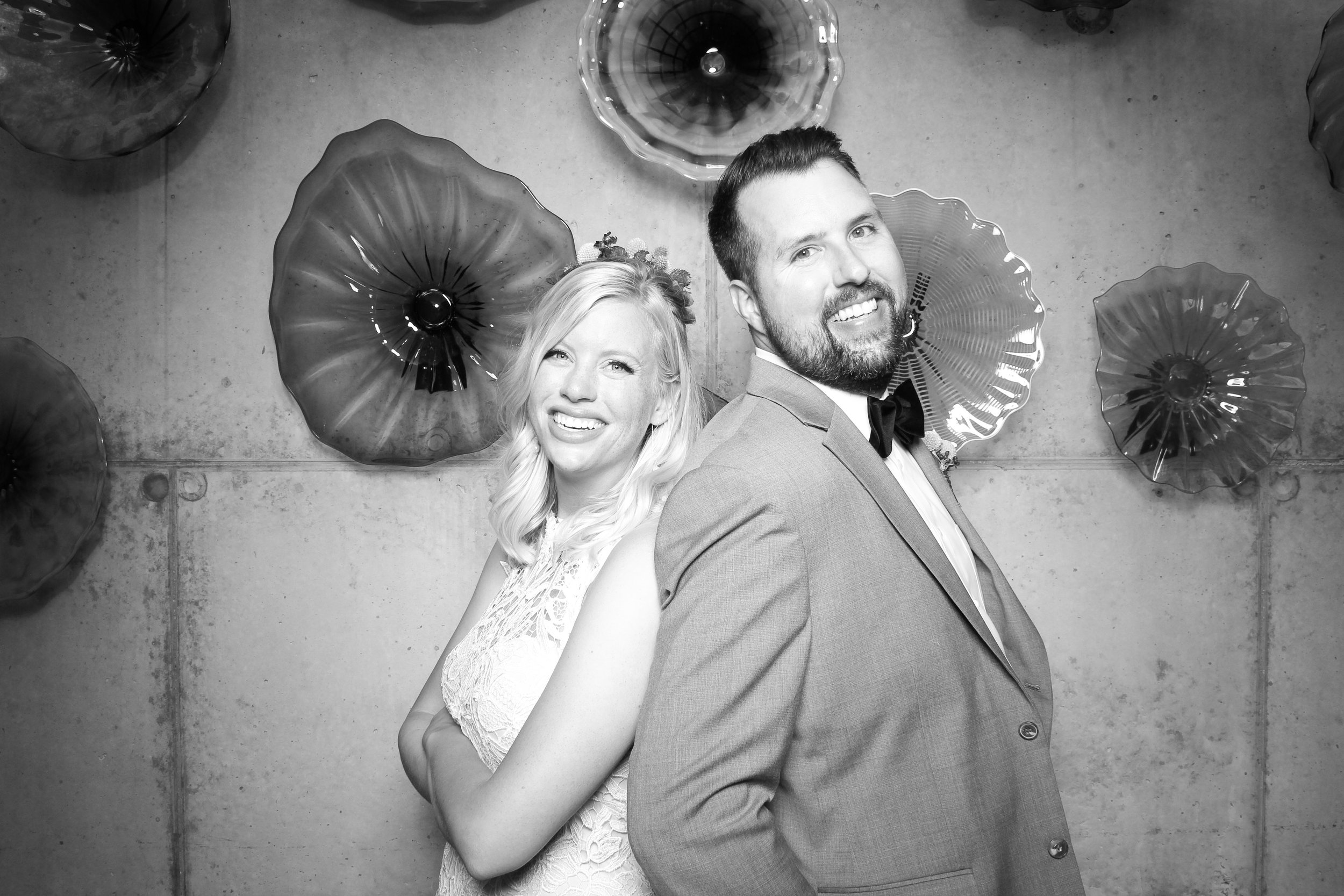 Chicago_Vintage_Wedding_Photobooth_Ignite_04.jpg