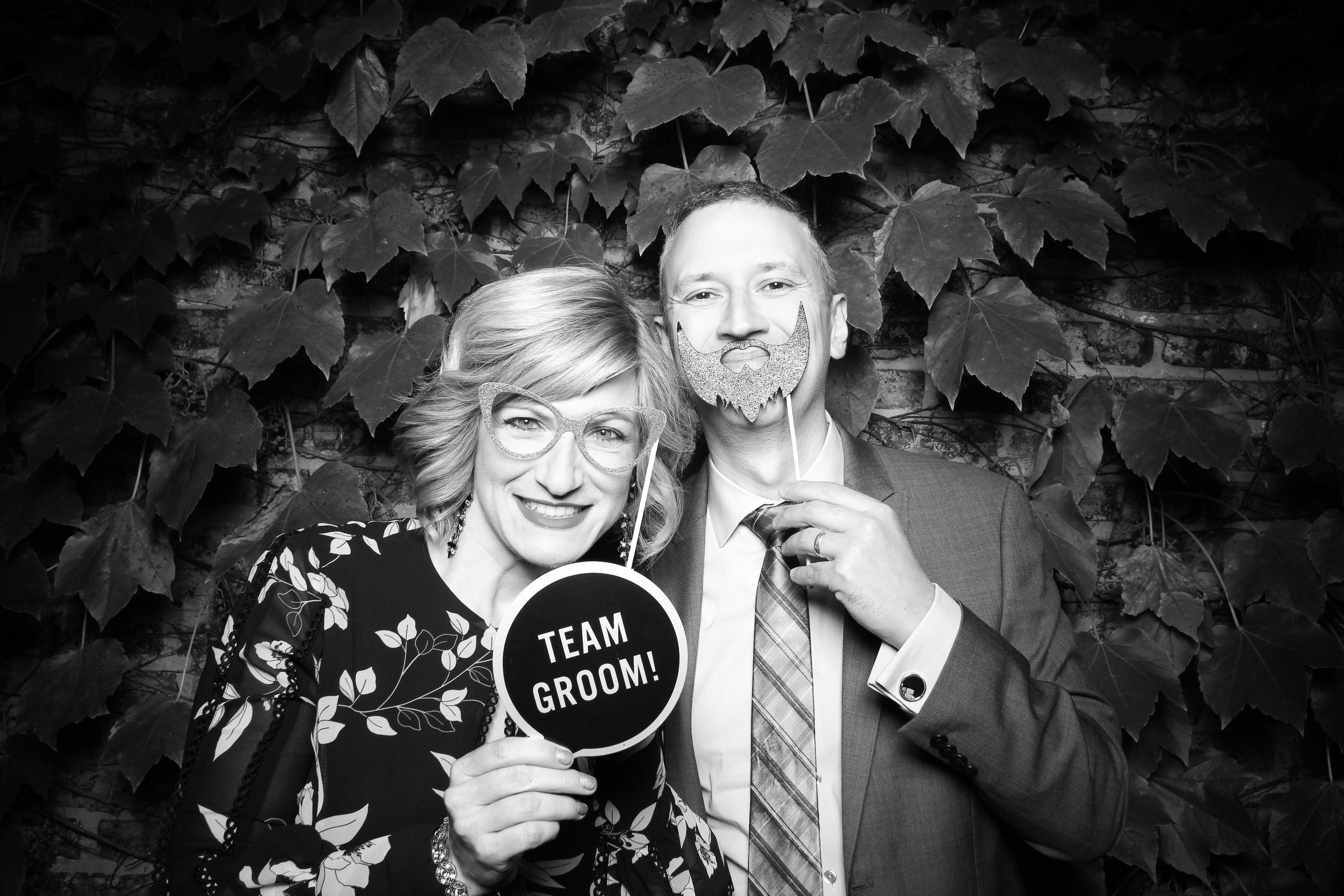 Chicago_Vintage_Wedding_Photobooth_Firehouse_04.jpg