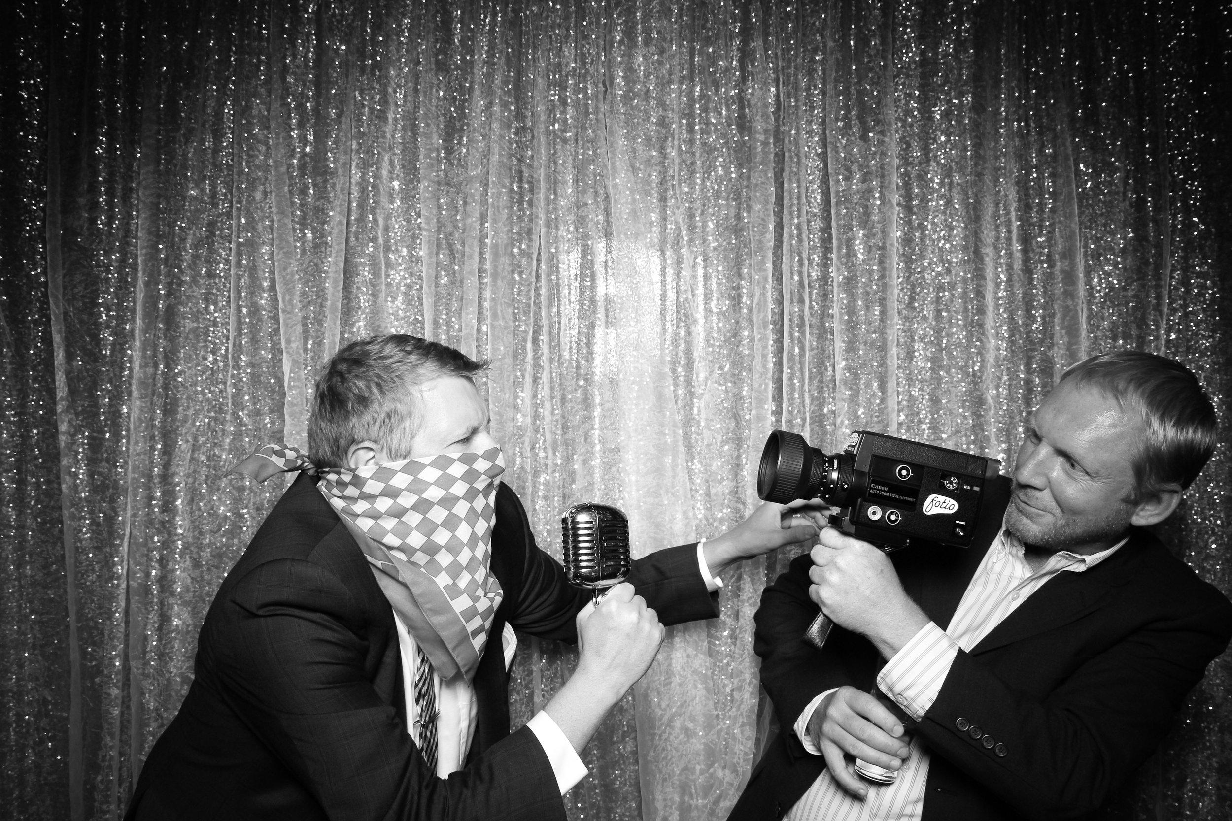 Chicago_Vintage_Wedding_Photobooth_Salvatores_60.jpg