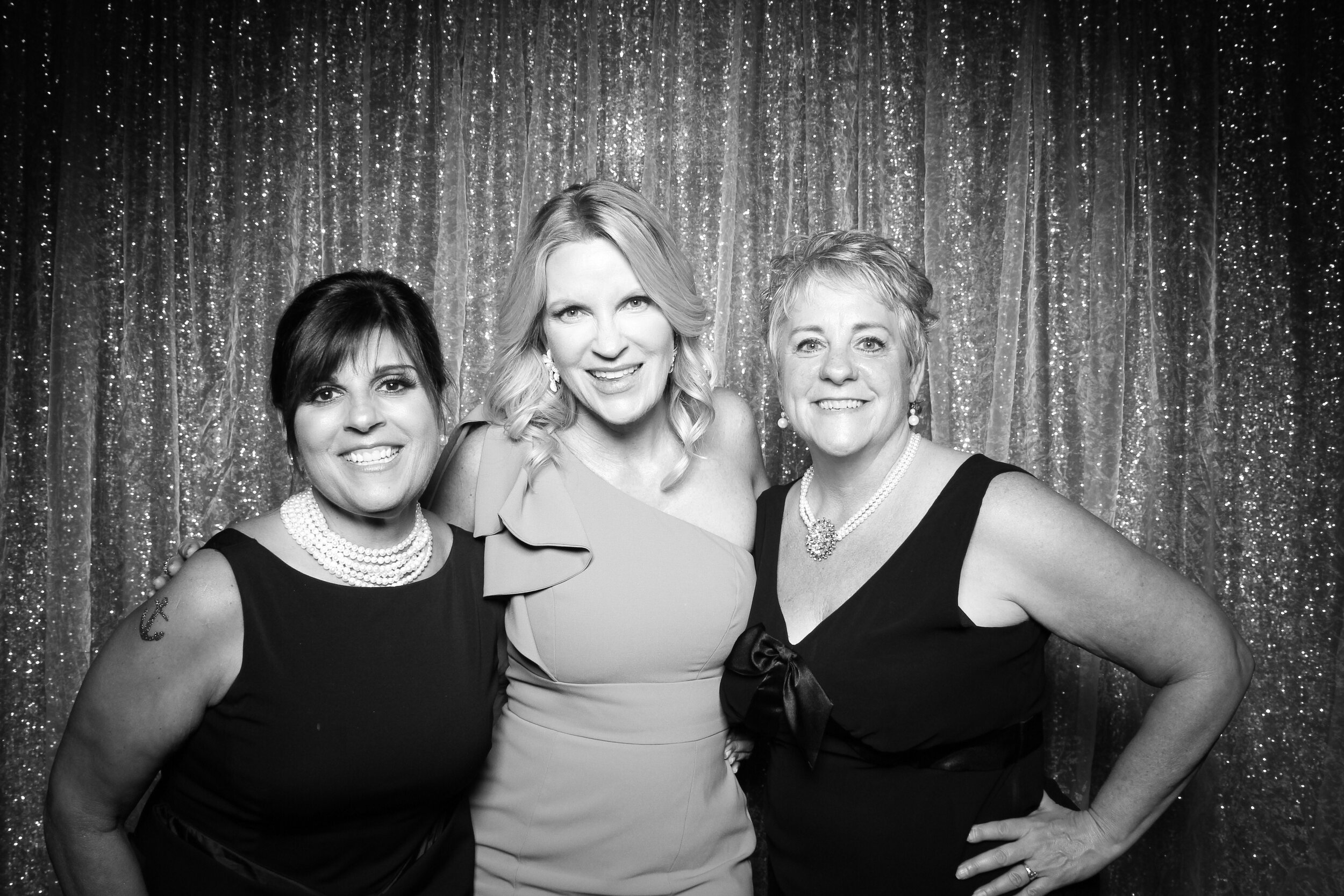 Chicago_Vintage_Wedding_Photobooth_Country_Club_15.jpg