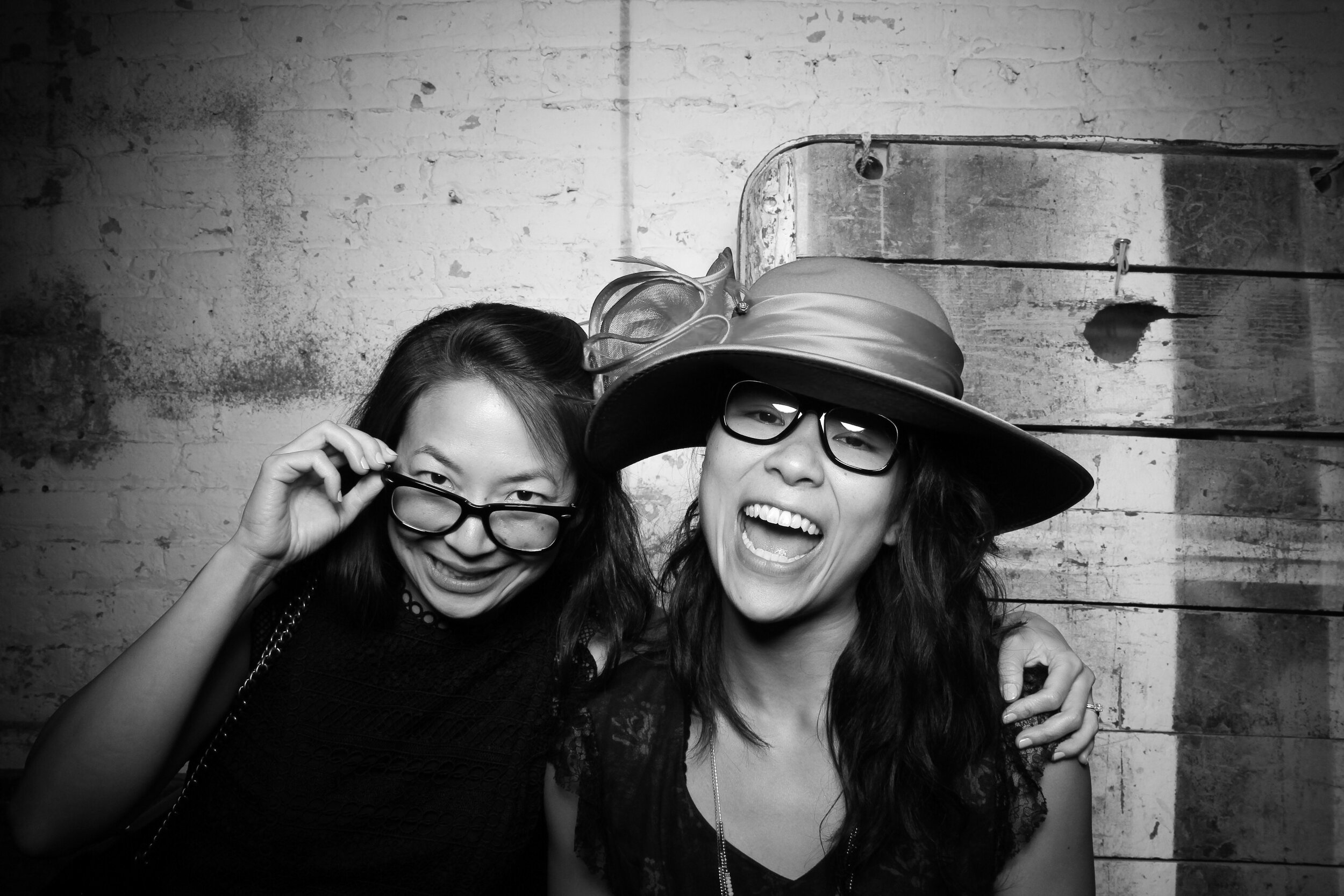 Chicago_Vintage_Wedding_Photobooth_Joinery_02.jpg