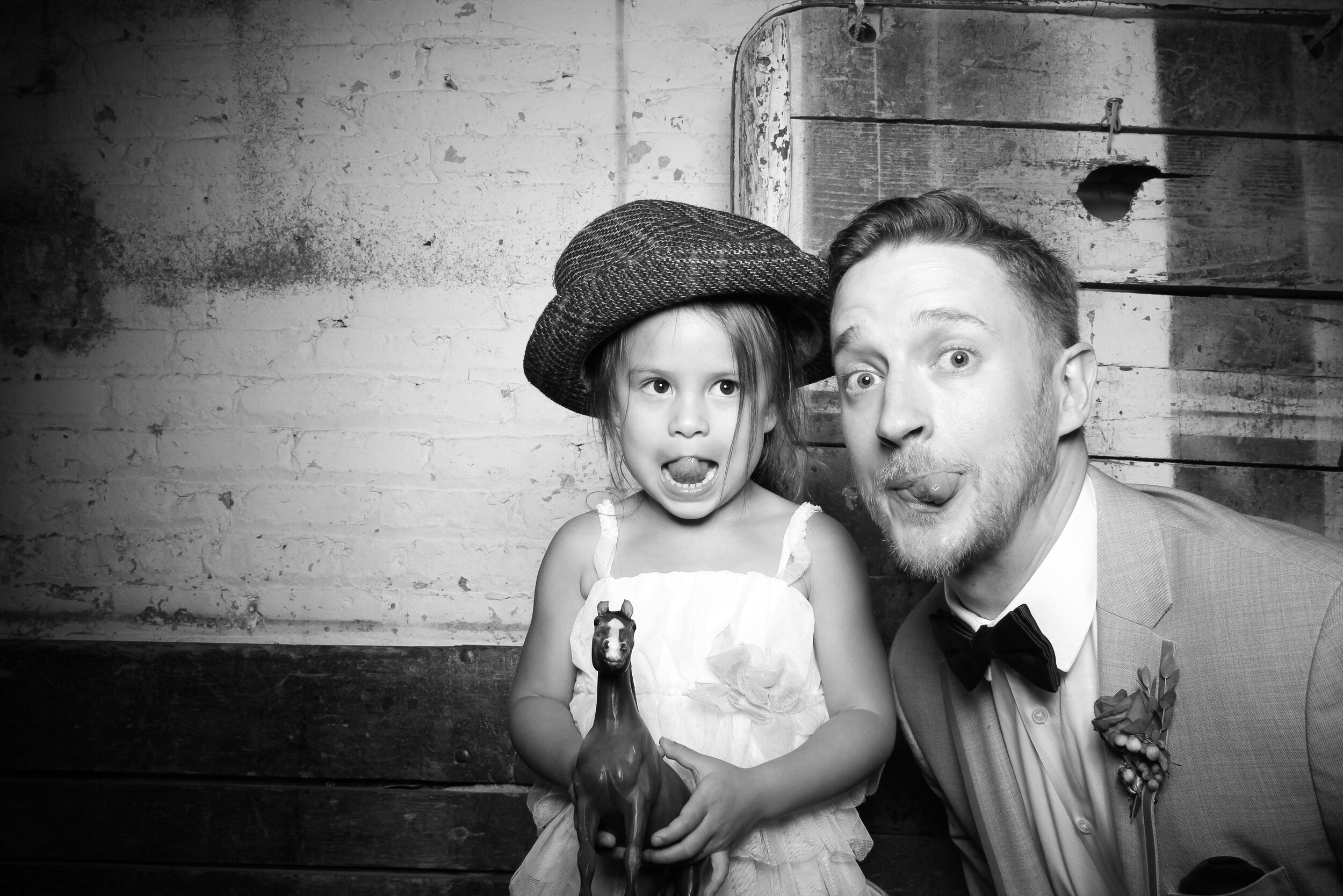 Chicago_Vintage_Wedding_Photobooth_Joinery_11.jpg