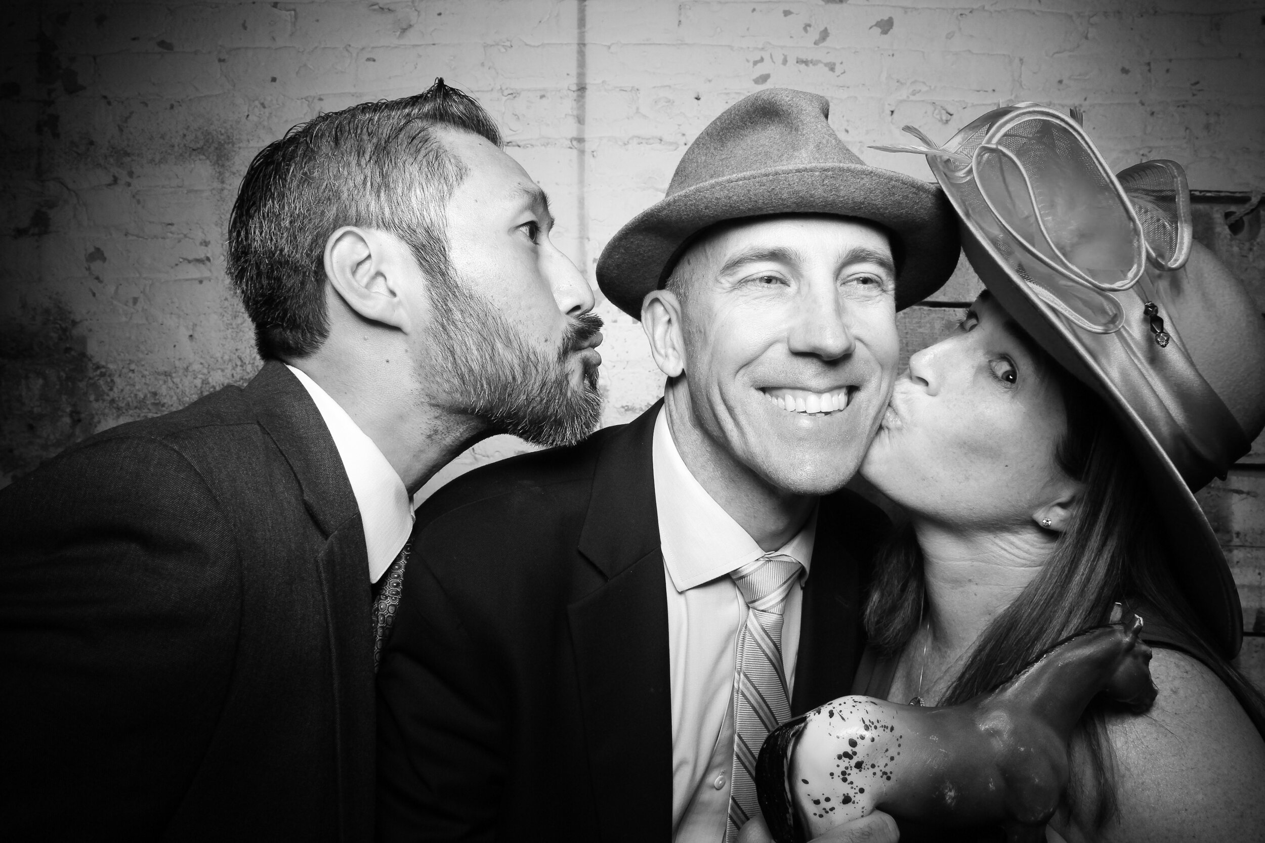 Chicago_Vintage_Wedding_Photobooth_Joinery_16.jpg
