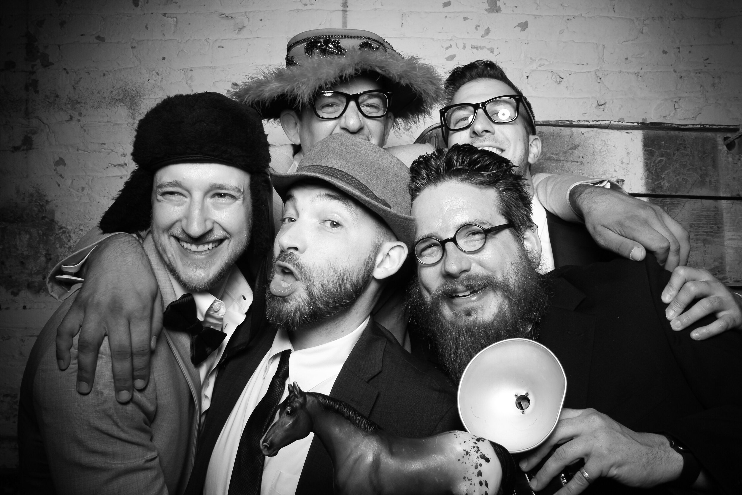 Chicago_Vintage_Wedding_Photobooth_Joinery_22.jpg