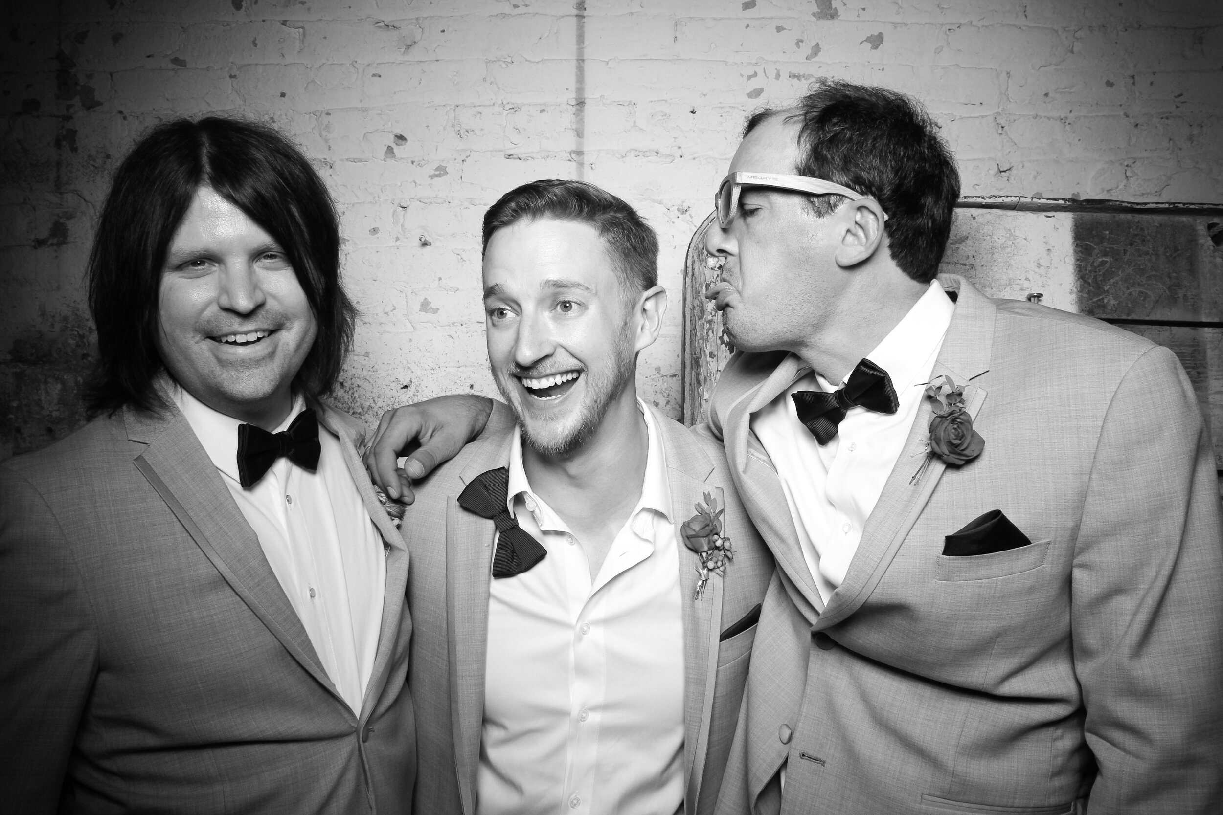Chicago_Vintage_Wedding_Photobooth_Joinery_28.jpg