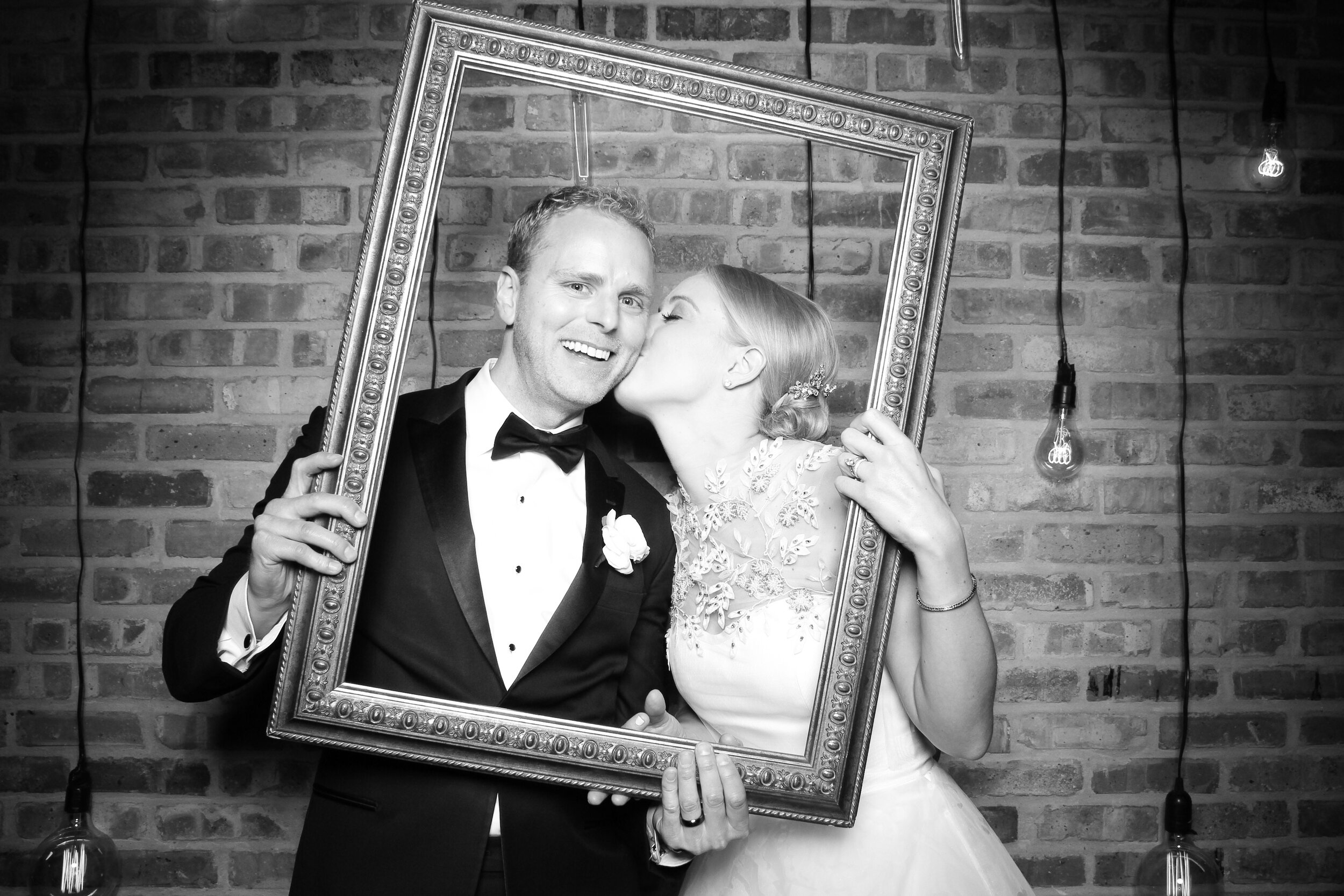 Chicago_Vintage_Wedding_Photobooth_Morgan_Manufacturing_01.jpg