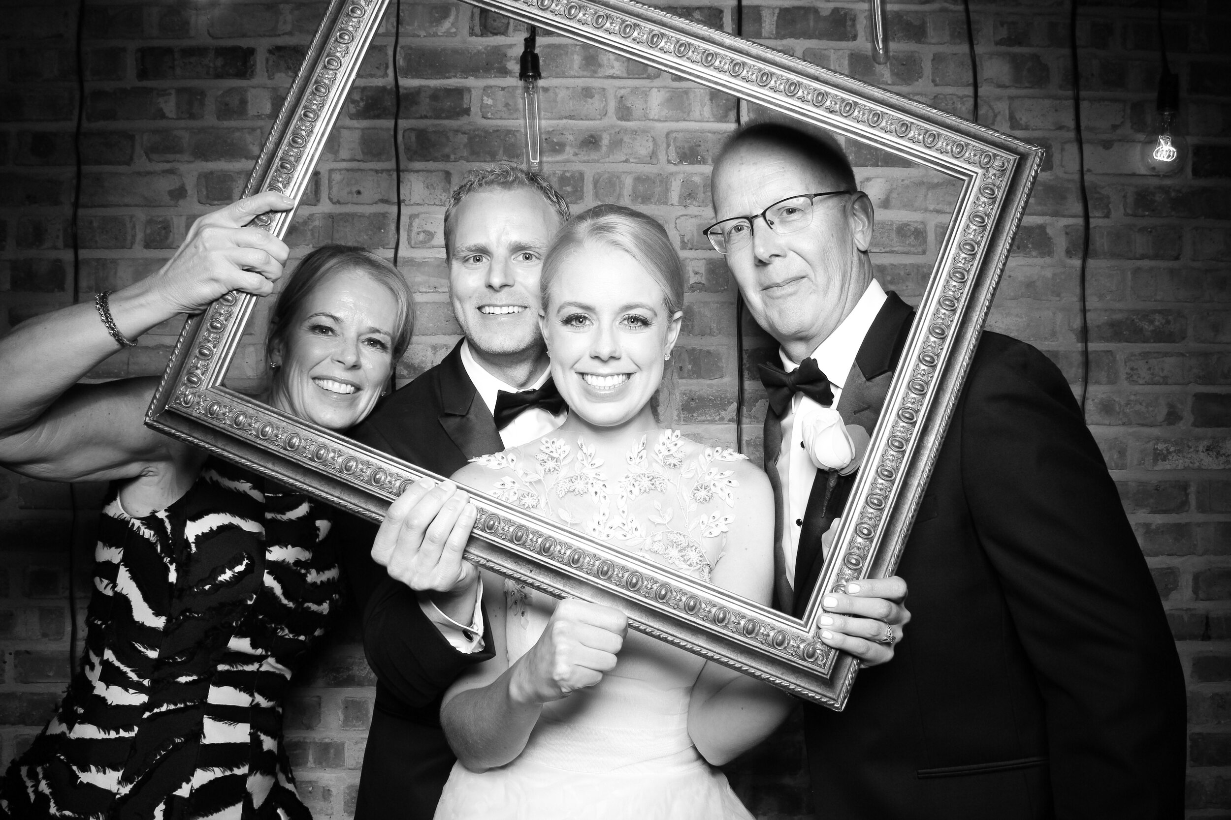 Chicago_Vintage_Wedding_Photobooth_Morgan_Manufacturing_05.jpg
