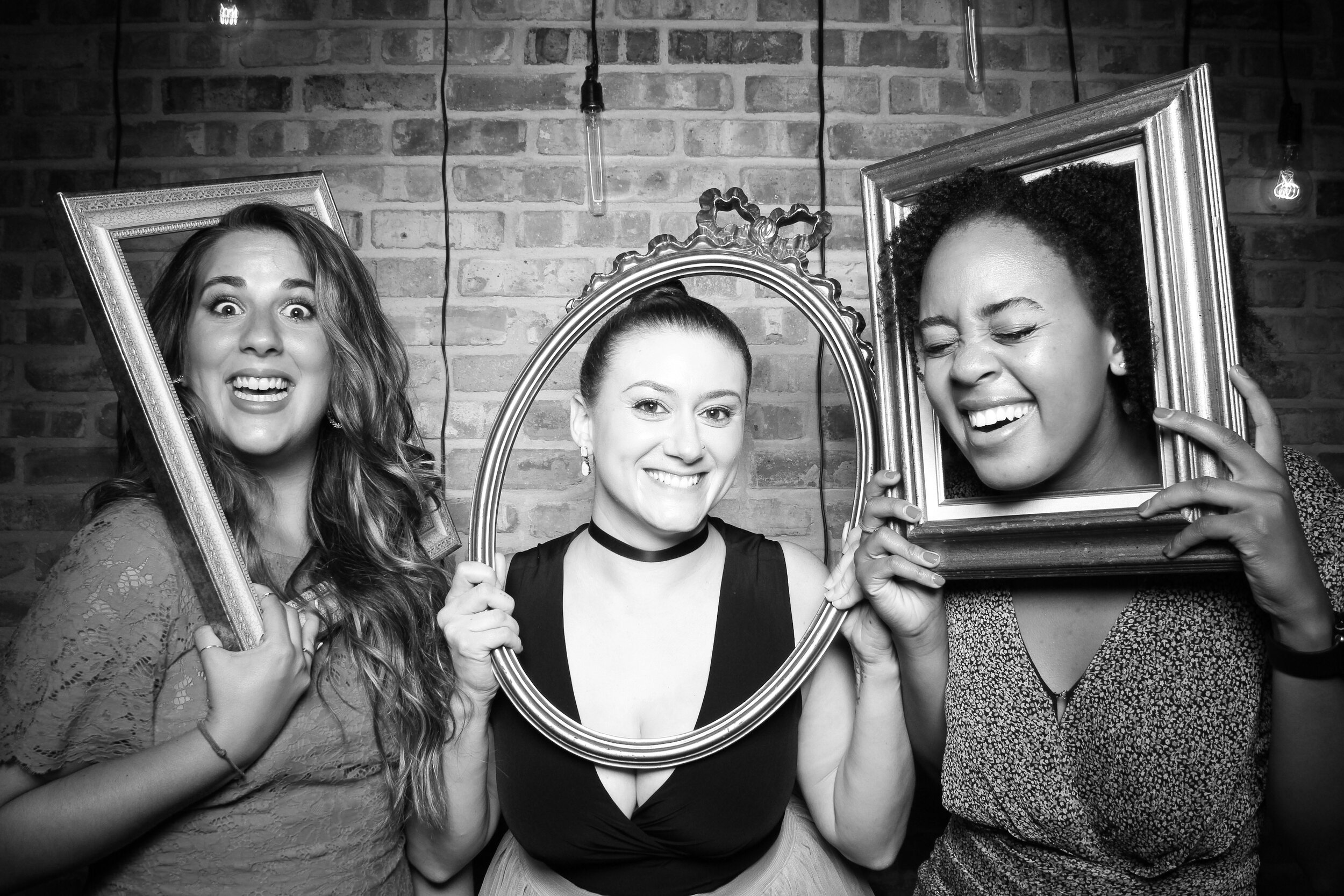 Chicago_Vintage_Wedding_Photobooth_Morgan_Manufacturing_15.jpg