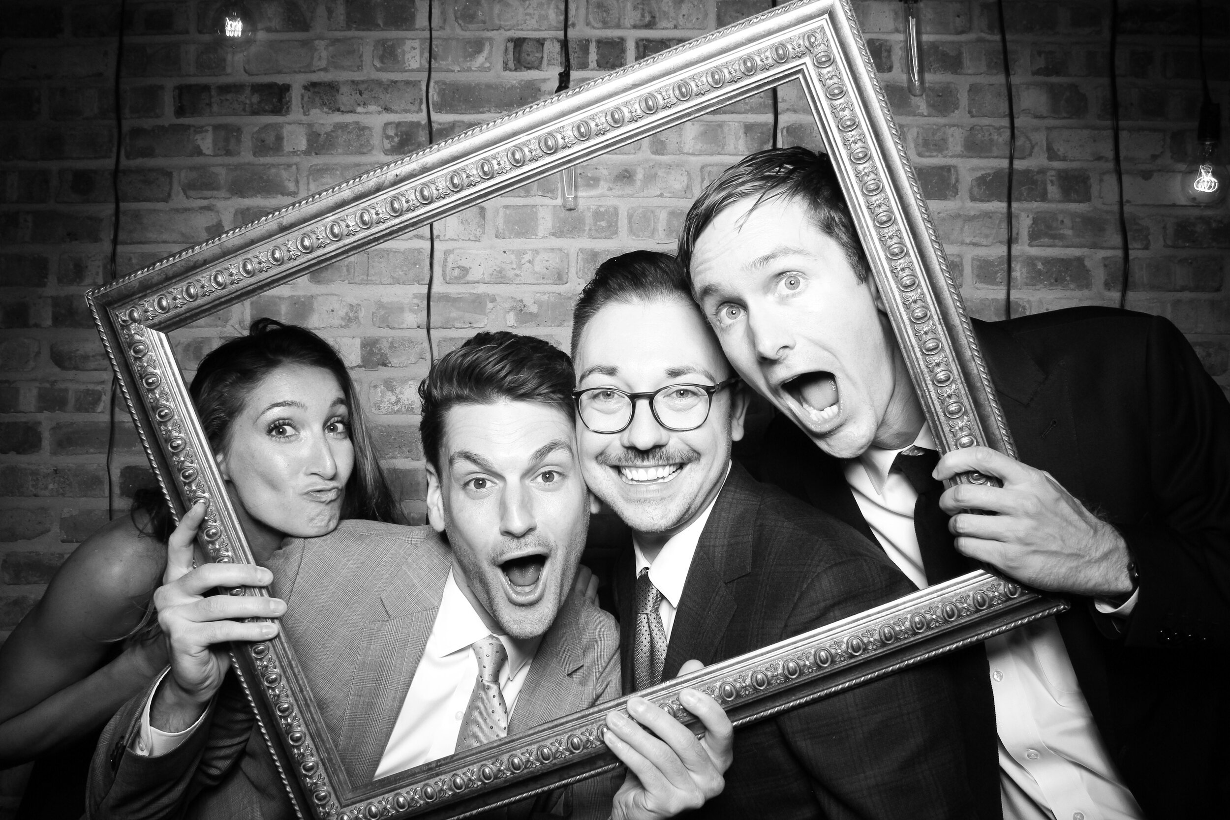 Chicago_Vintage_Wedding_Photobooth_Morgan_Manufacturing_19.jpg
