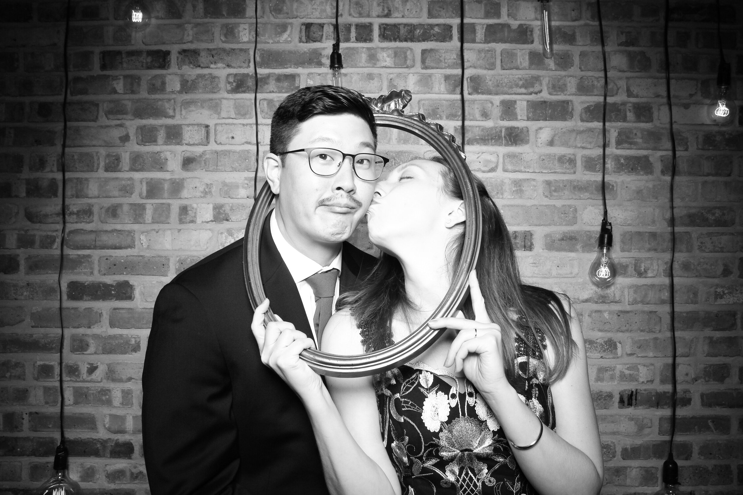 Chicago_Vintage_Wedding_Photobooth_Morgan_Manufacturing_20.jpg