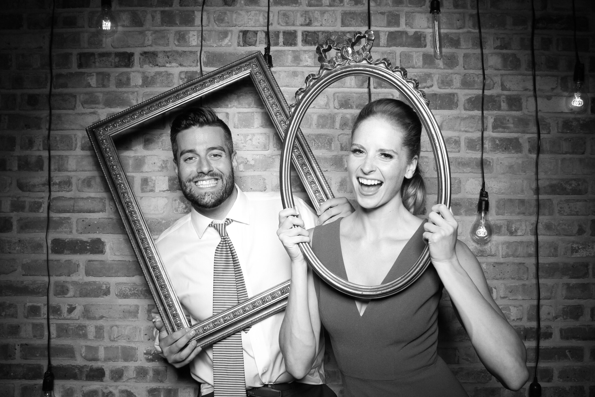 Chicago_Vintage_Wedding_Photobooth_Morgan_Manufacturing_24.jpg