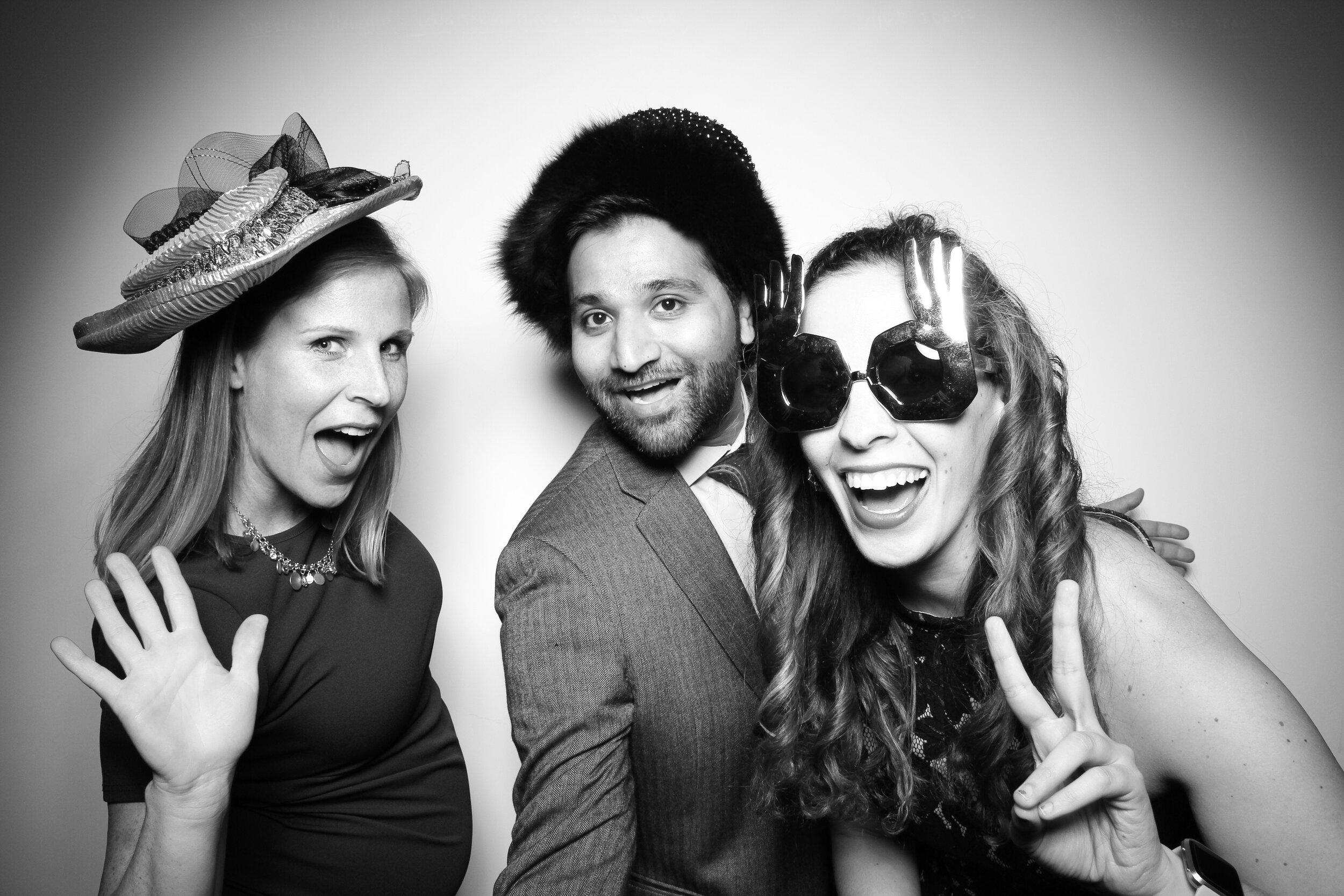 Chicago_Vintage_Wedding_Photobooth_Amerigo_Company_Party_02.jpg