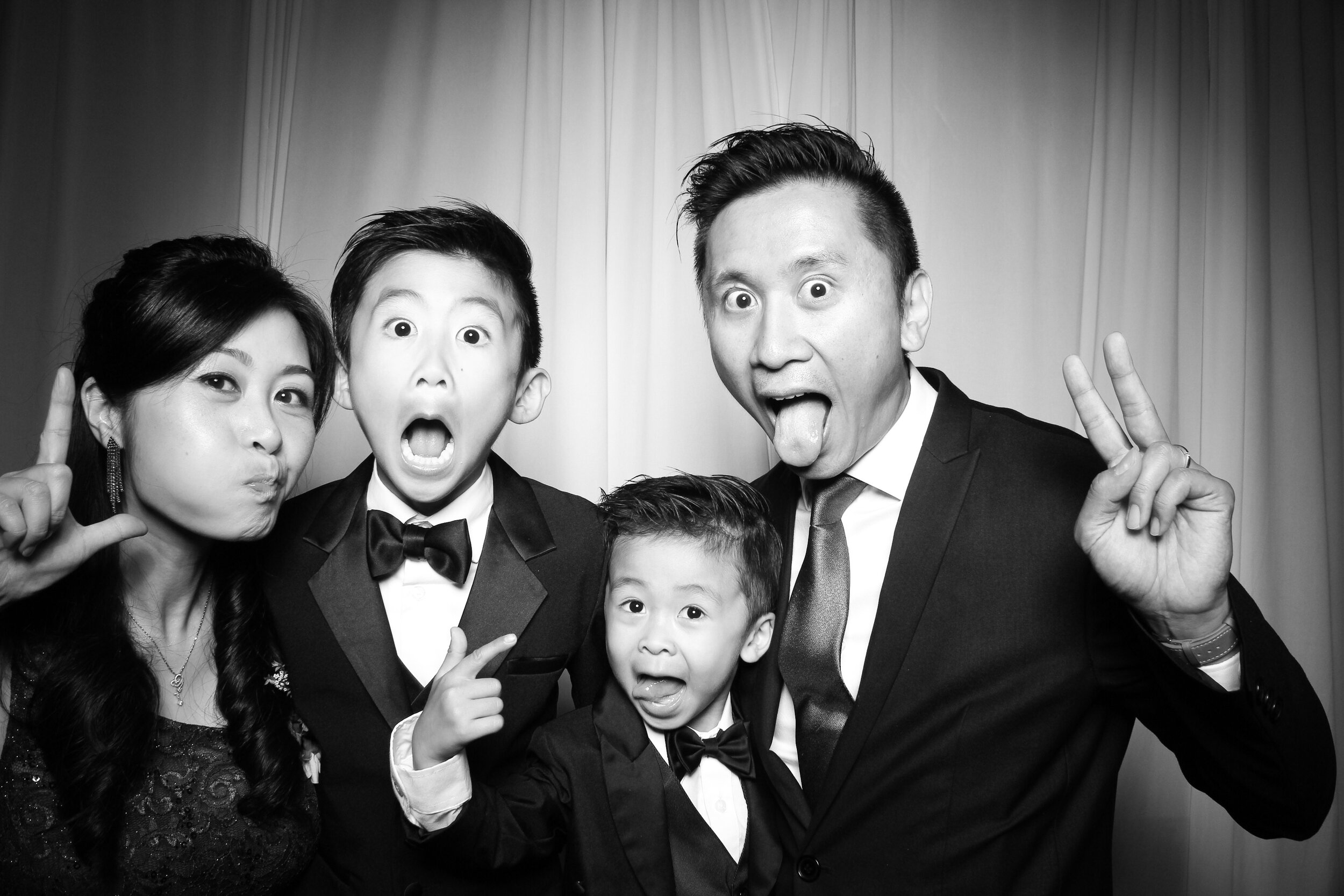 Cai_Restaurant_Chinatown_Chicago_Wedding_Photo_Booth_10.jpg