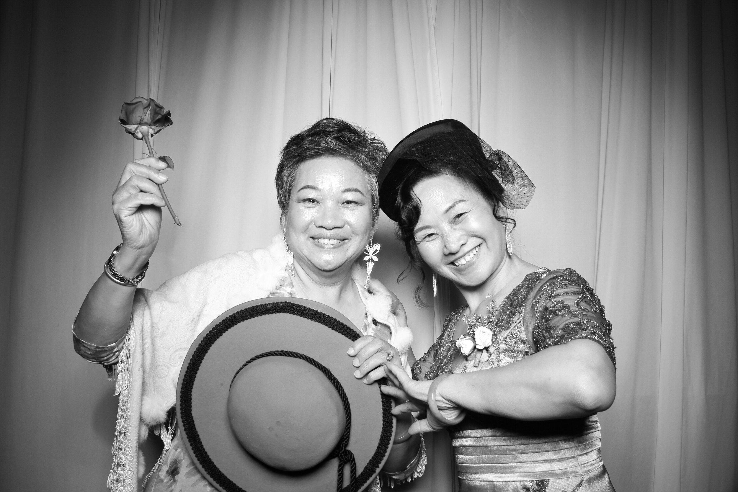 Cai_Restaurant_Chinatown_Chicago_Wedding_Photo_Booth_13.jpg