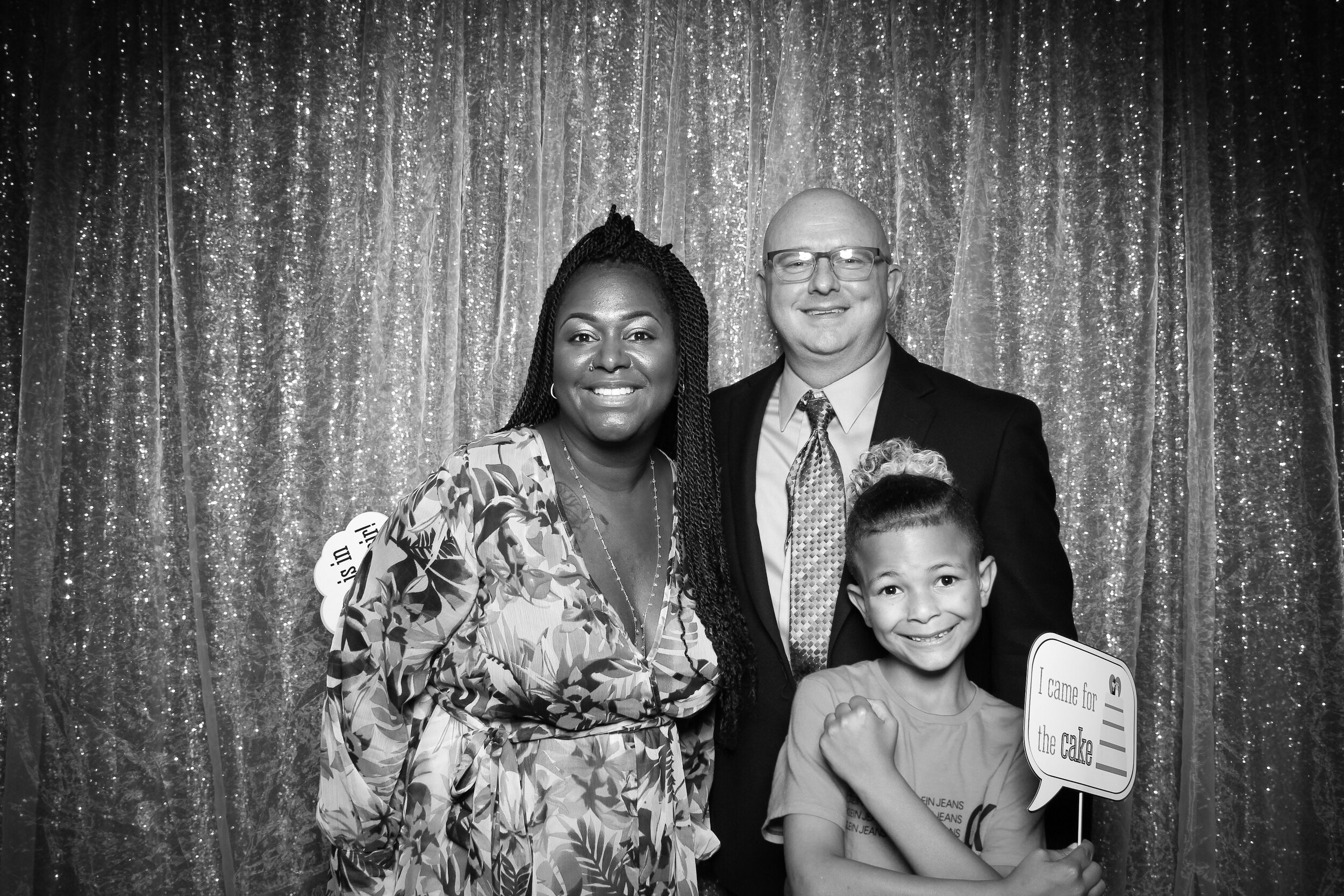 Ravisloe_Country_Club_Wedding_Photo_Booth_06.jpg