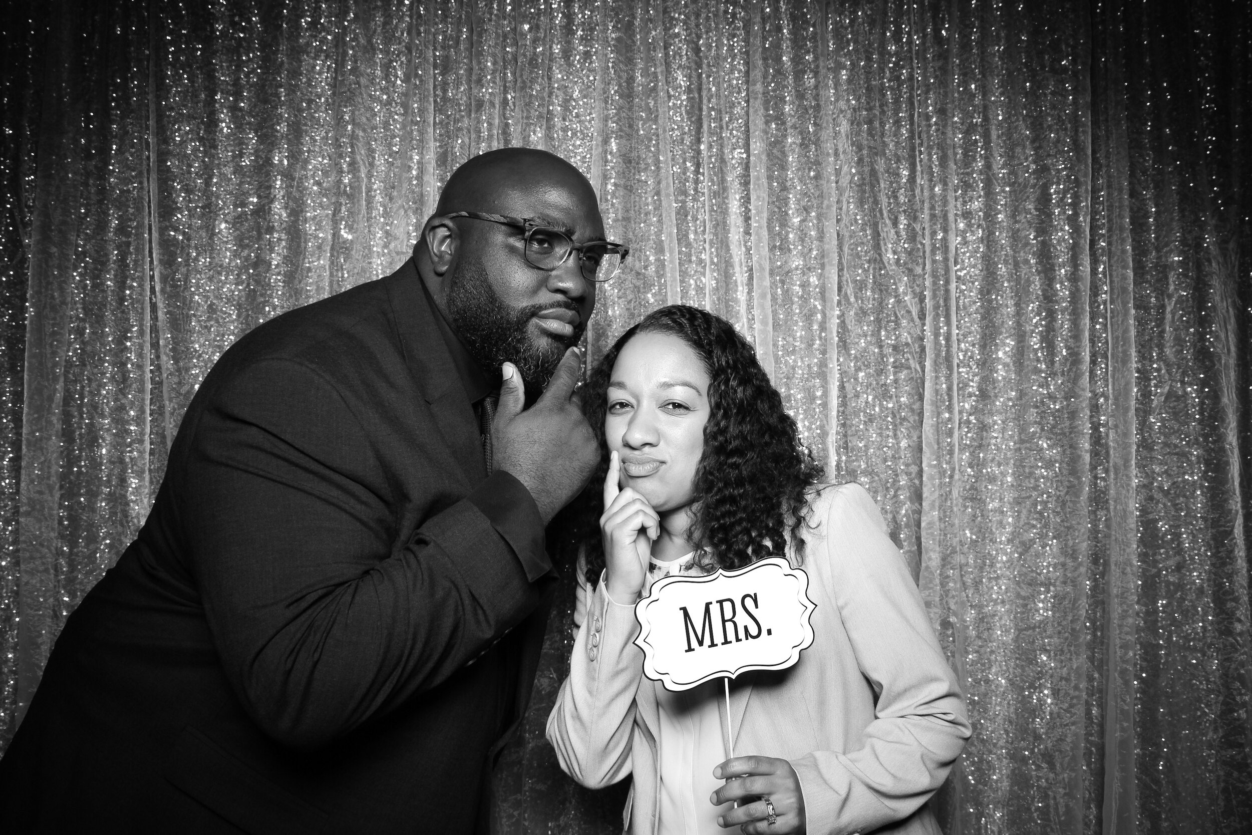 Ravisloe_Country_Club_Wedding_Photo_Booth_08.jpg