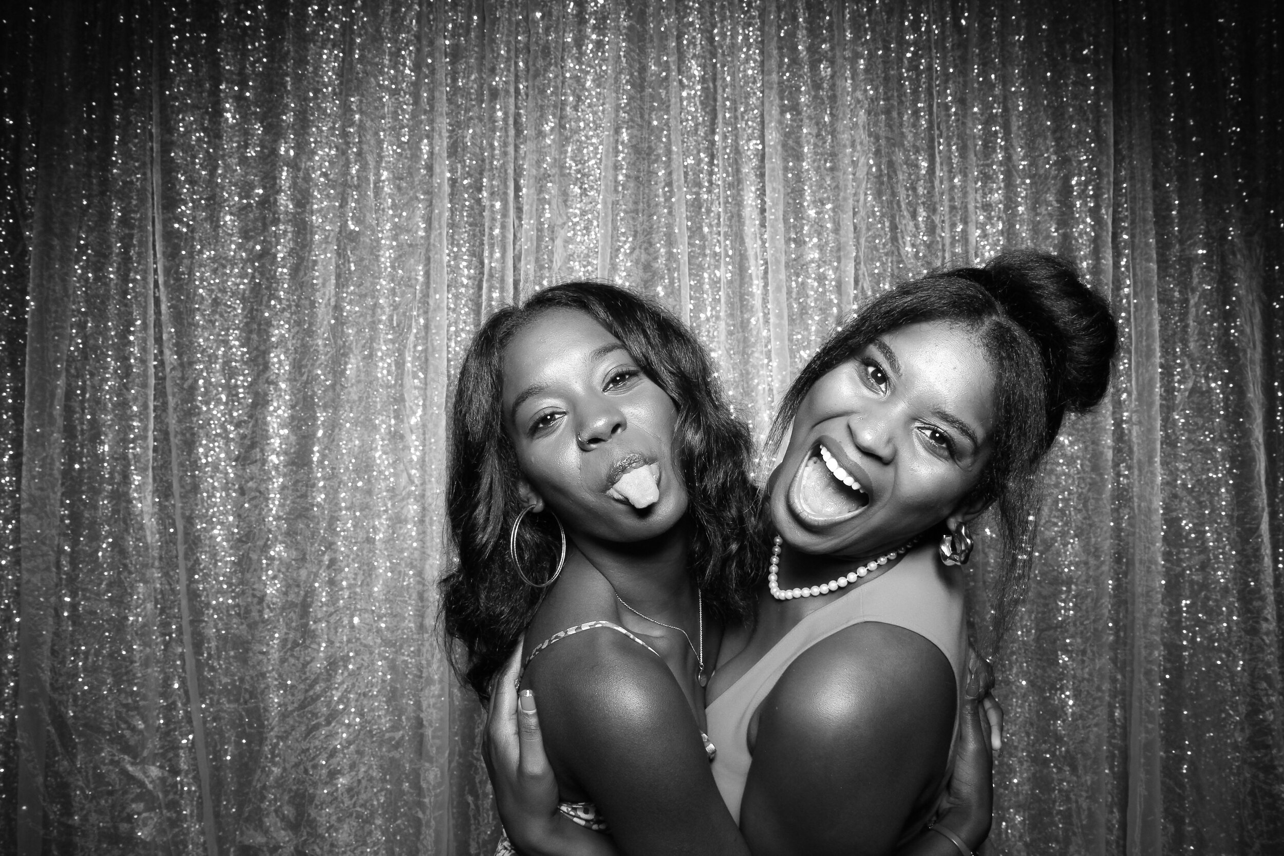 Ravisloe_Country_Club_Wedding_Photo_Booth_09.jpg