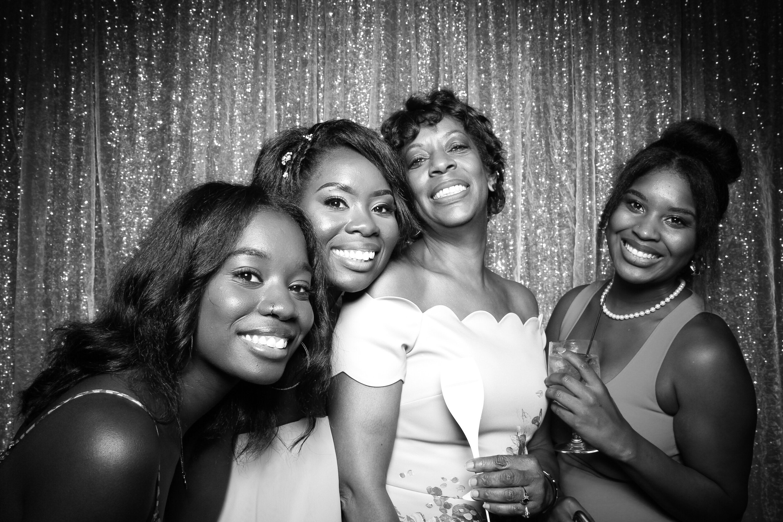 Ravisloe_Country_Club_Wedding_Photo_Booth_11.jpg