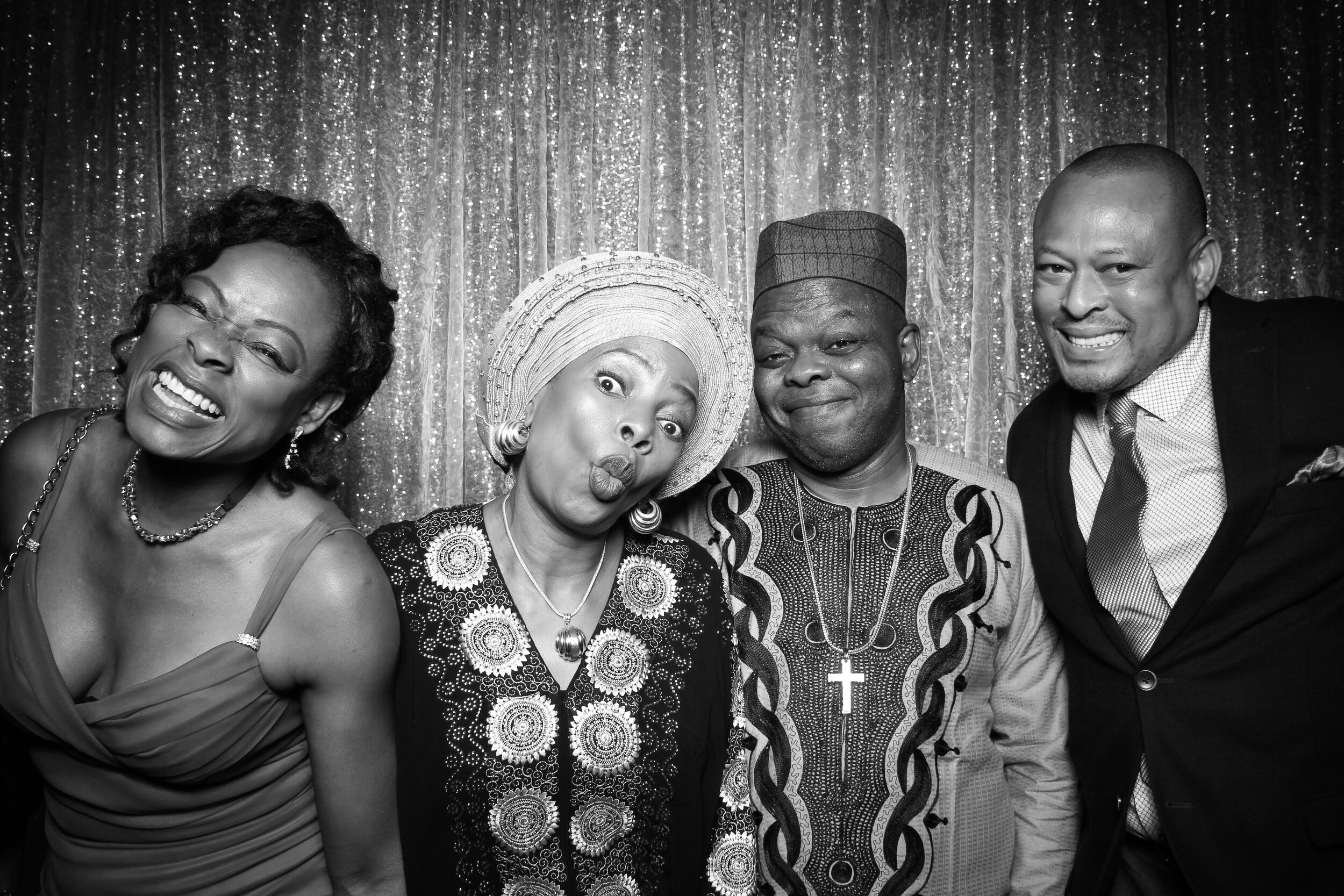 Ravisloe_Country_Club_Wedding_Photo_Booth_13.jpg