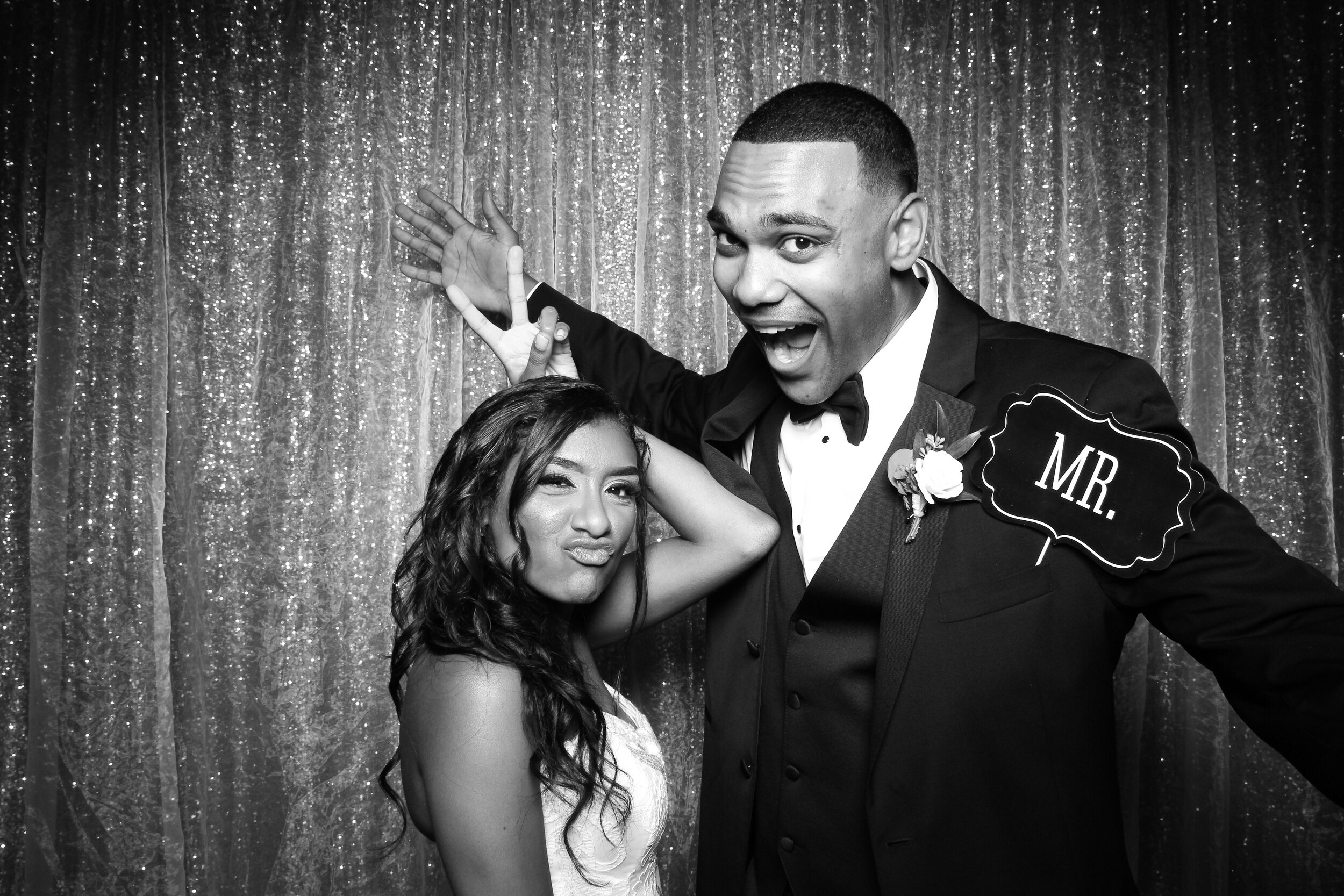 Ravisloe_Country_Club_Wedding_Photo_Booth_17.jpg