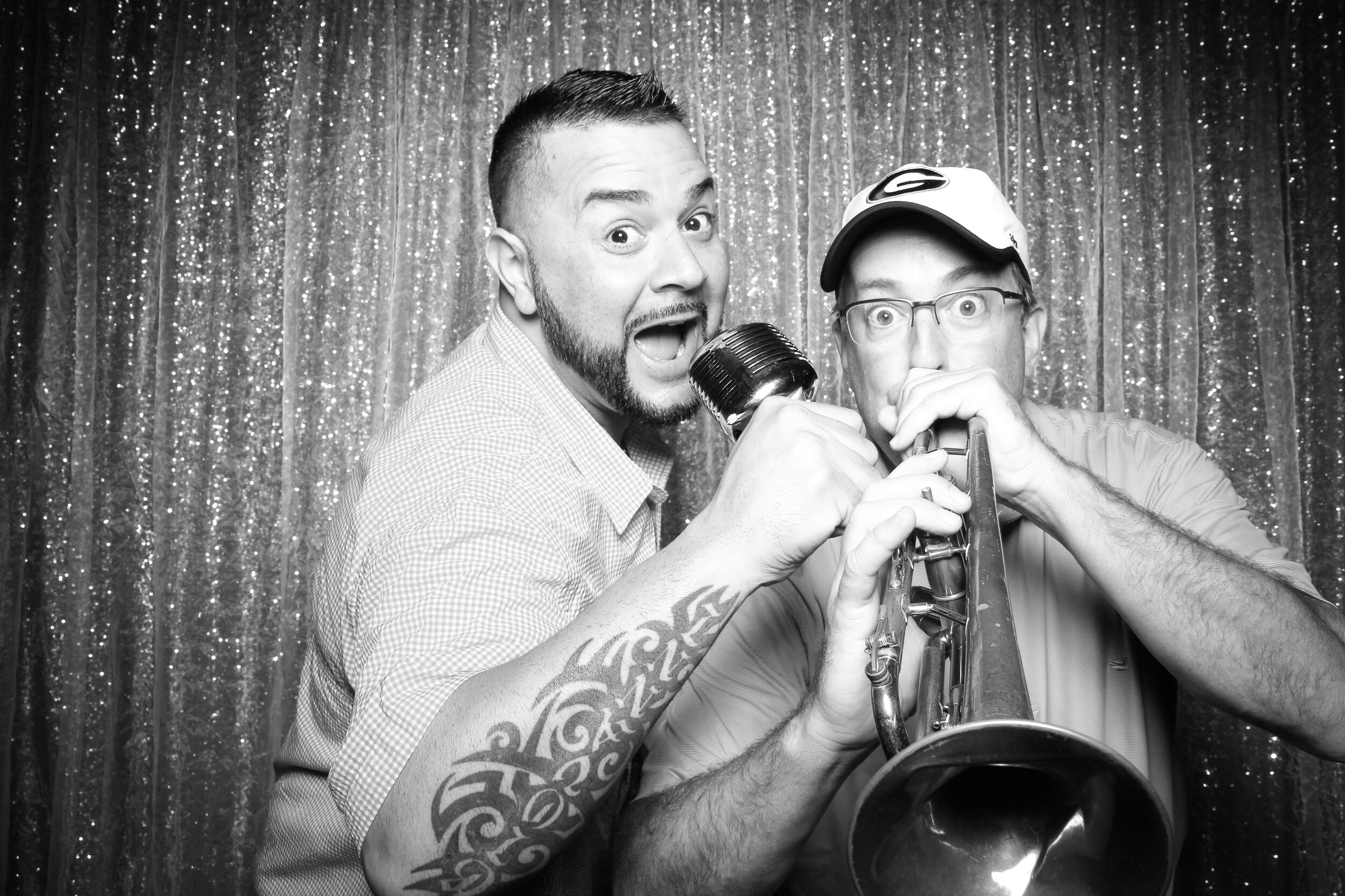 Chicago_Vintage_Wedding_Photobooth_House_of_Blues_08.jpg