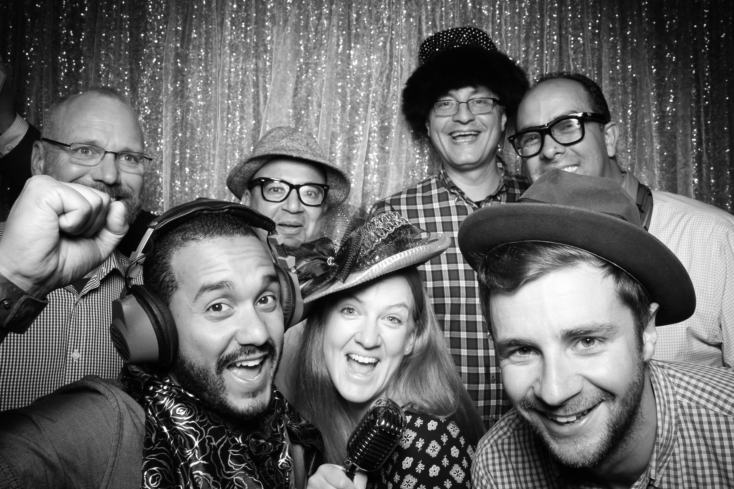 Chicago_Vintage_Wedding_Photobooth_House_of_Blues_13.jpg