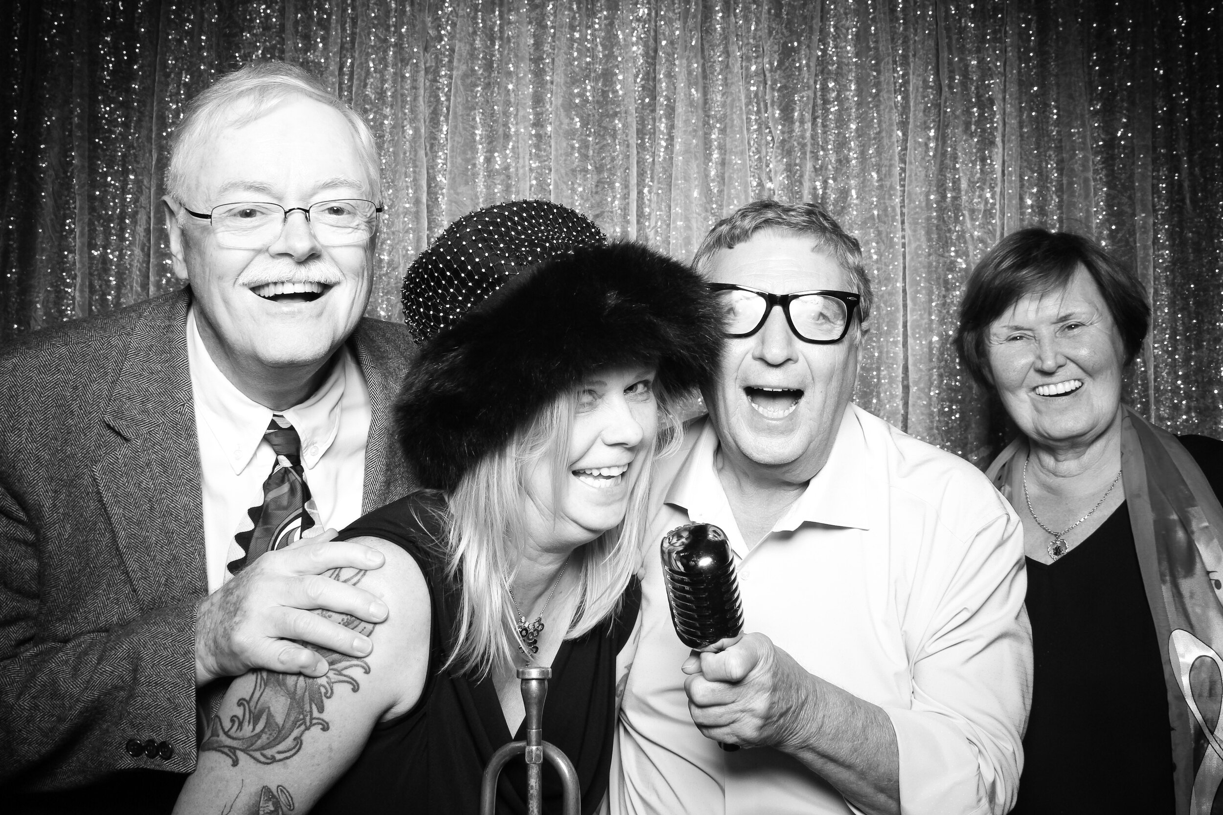 Chicago_Vintage_Wedding_Photobooth_House_of_Blues_21.jpg