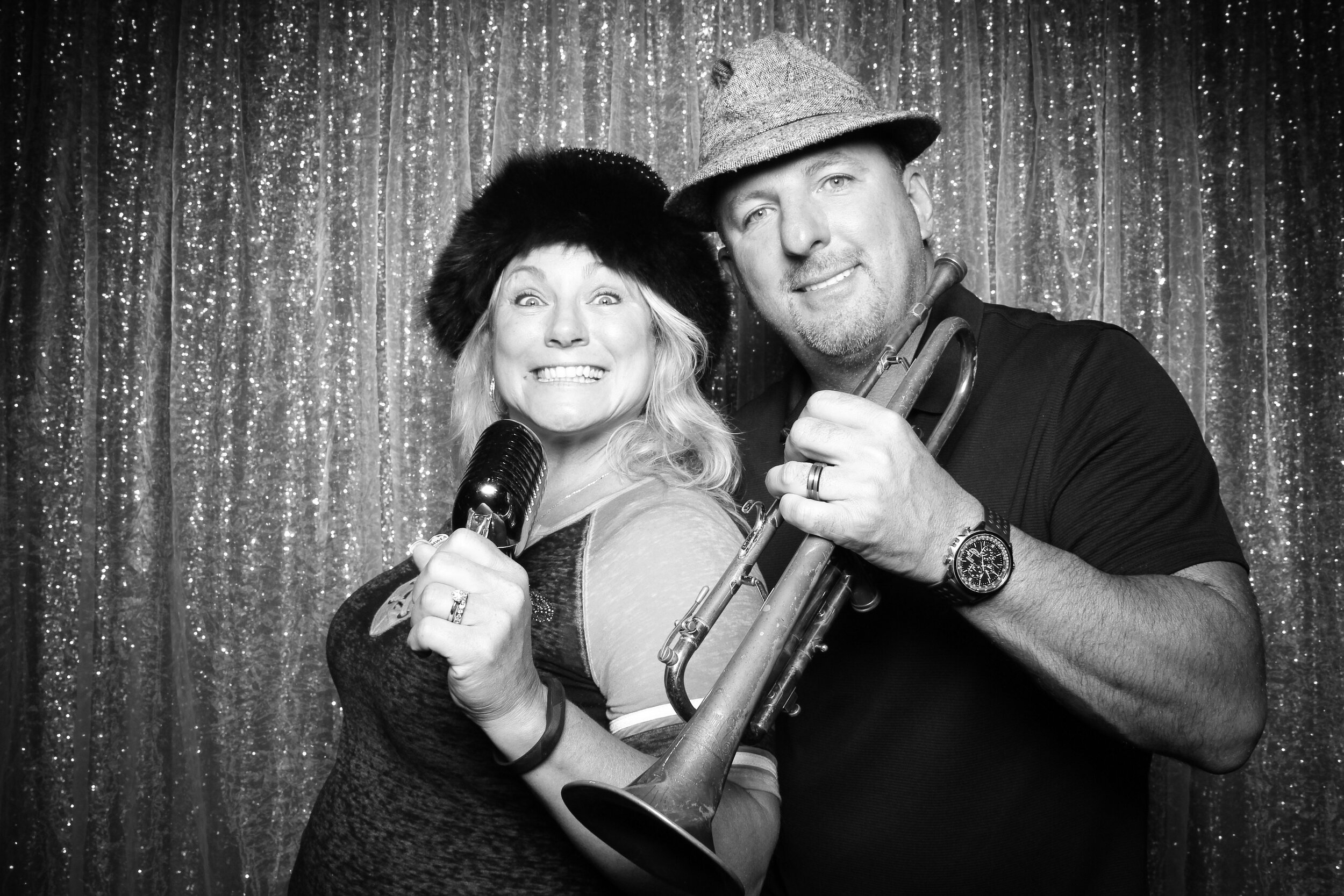 Chicago_Vintage_Wedding_Photobooth_House_of_Blues_24.jpg