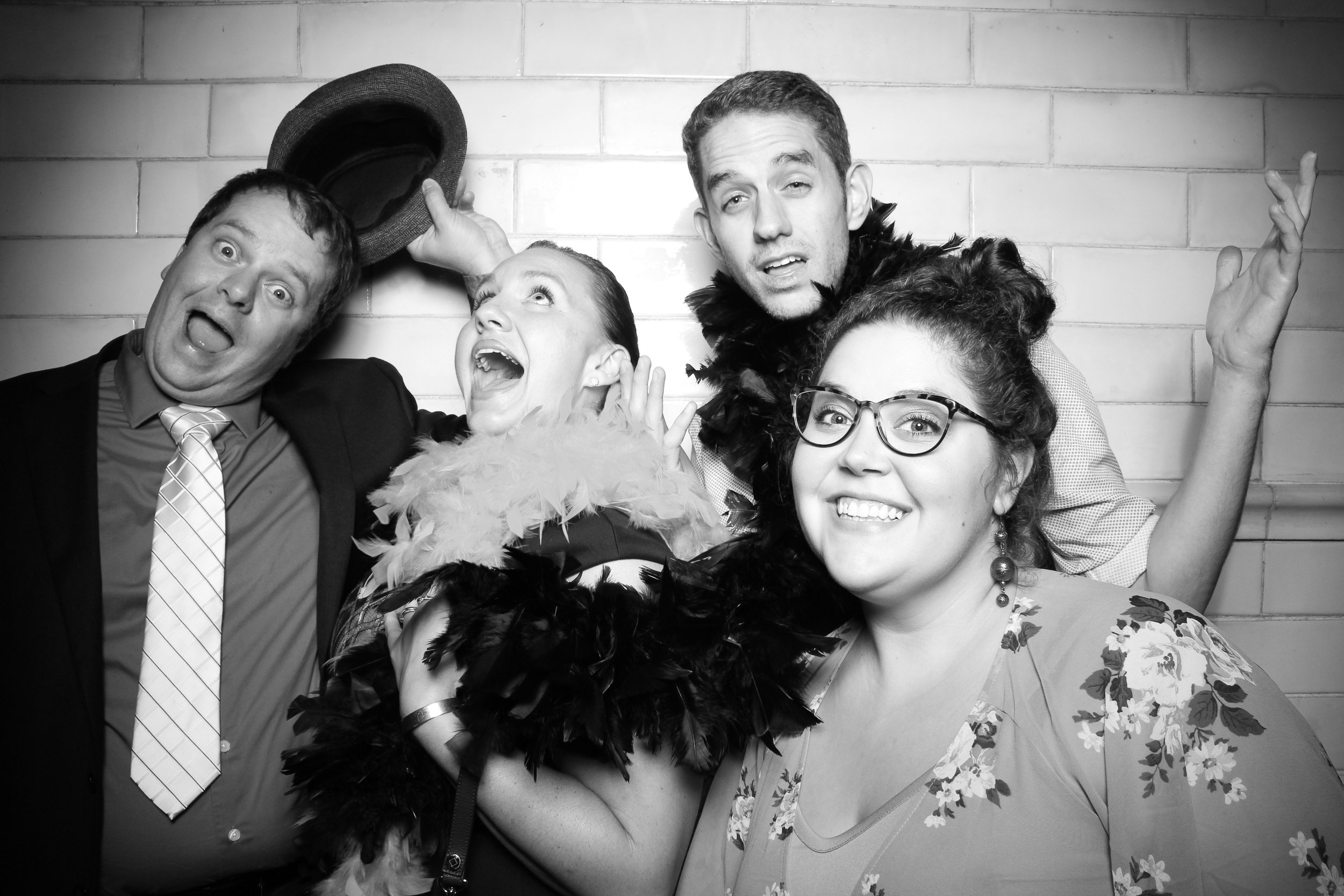 Firehouse_Chicago_Edgewater_Wedding_Reception_Photo_Booth_04.jpg