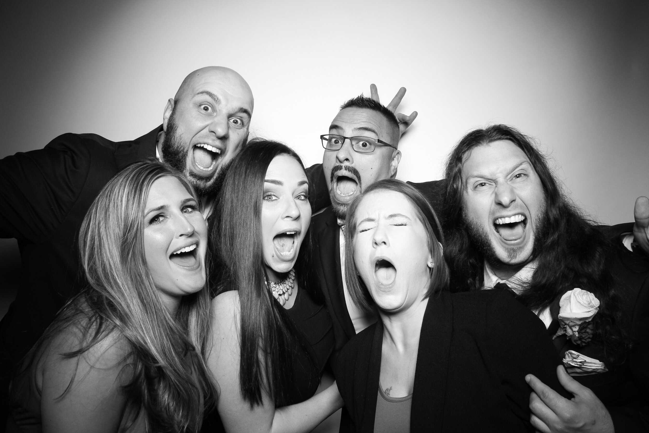 Mir_Mir_Kardashian_Style_Black_and_White_Photo_Booth_Chicago_05.jpg