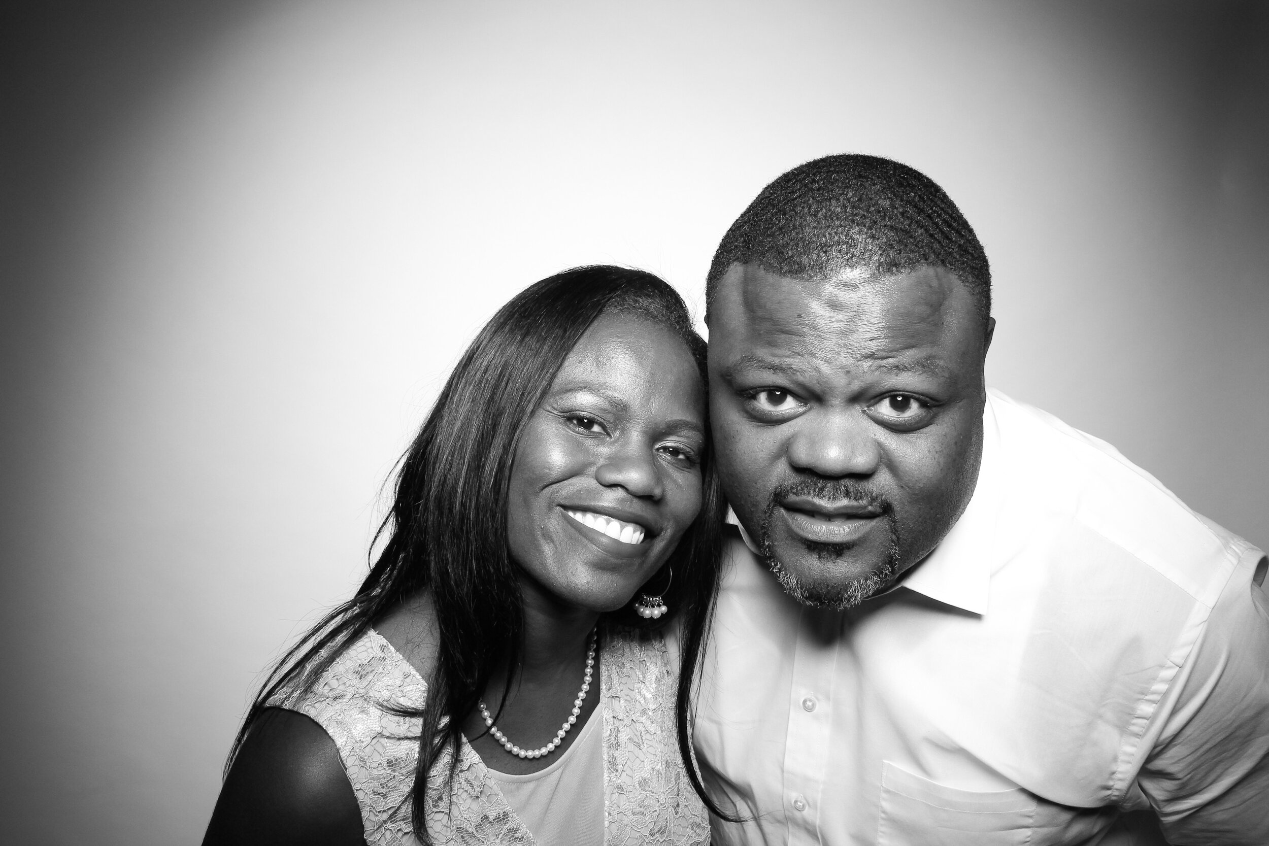 Mir_Mir_Kardashian_Style_Black_and_White_Photo_Booth_Chicago_14.jpg
