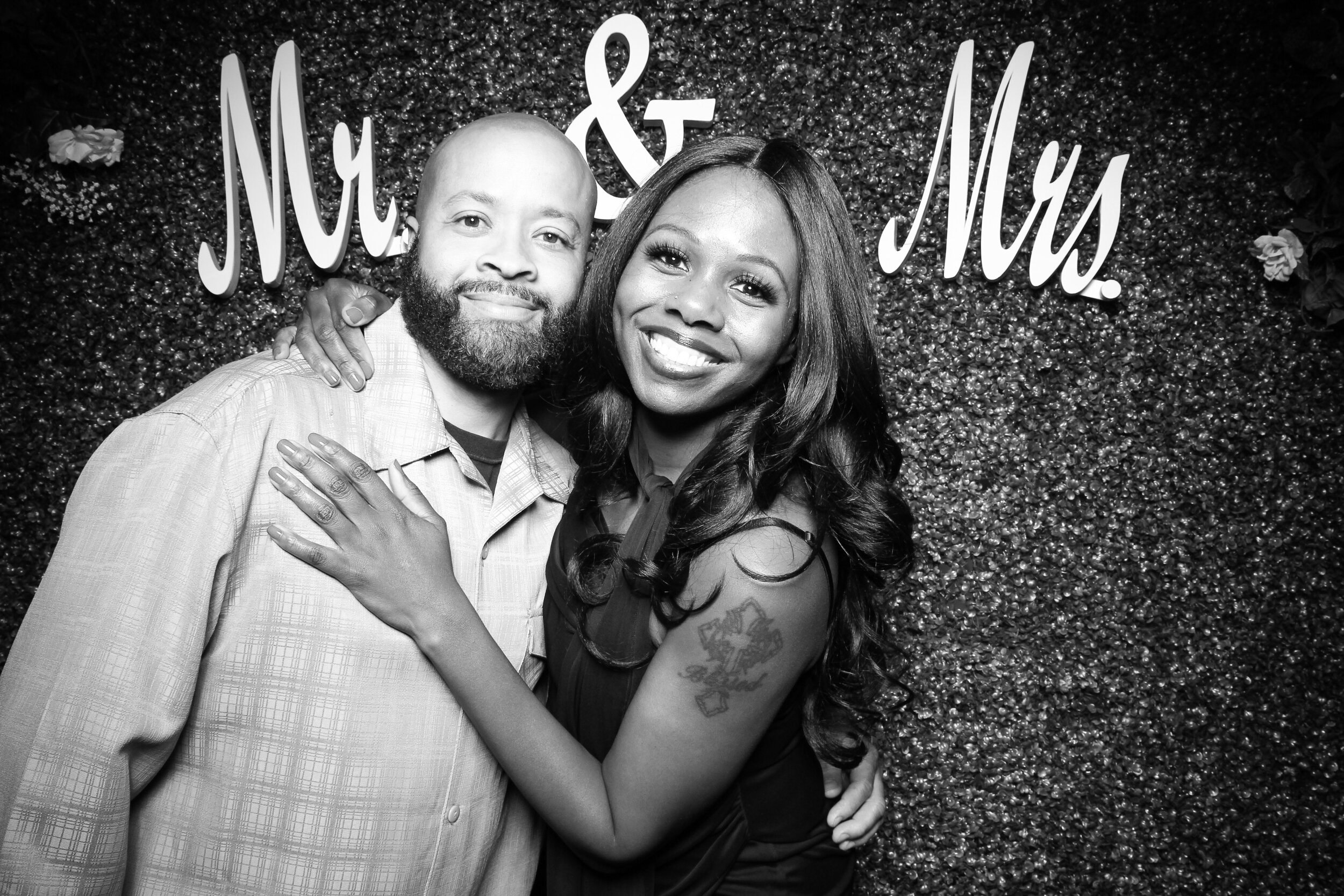 Green_Hedge_Ivy_Wall_Backdrop_Photo_Booth_Rental_Chicago_13.jpg