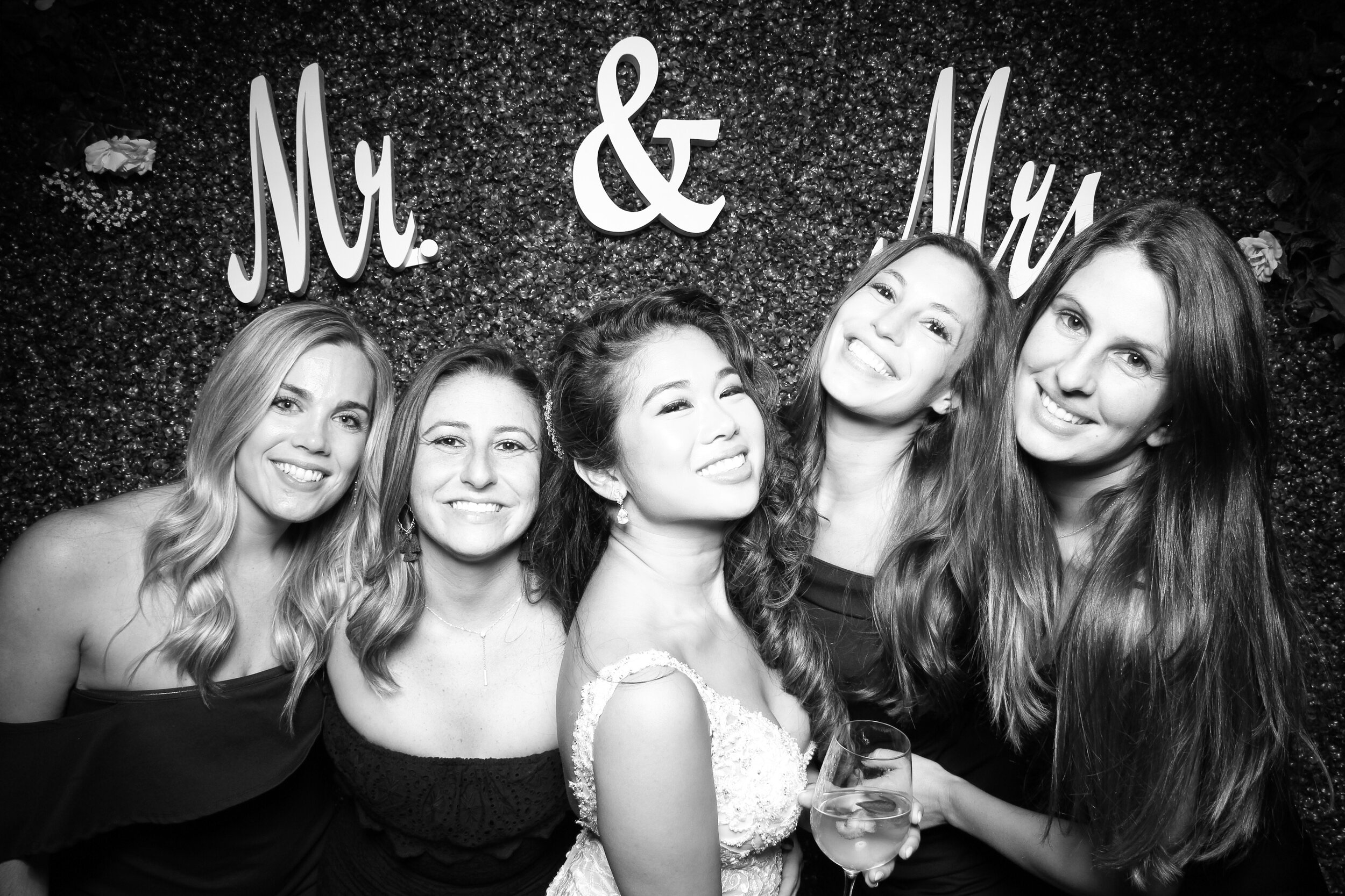 Green_Hedge_Ivy_Wall_Backdrop_Photo_Booth_Rental_Chicago_23.jpg