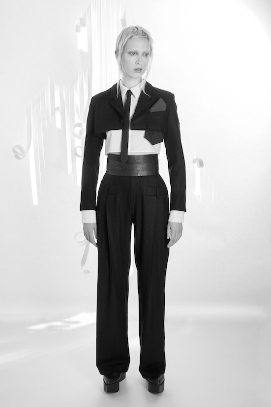 Love_is_stronger_Esther_Perbandt_black_Belts_Jacket_cutitaaway_trousers_freak_volume_photo_birgit_kaulfuss.jpg3