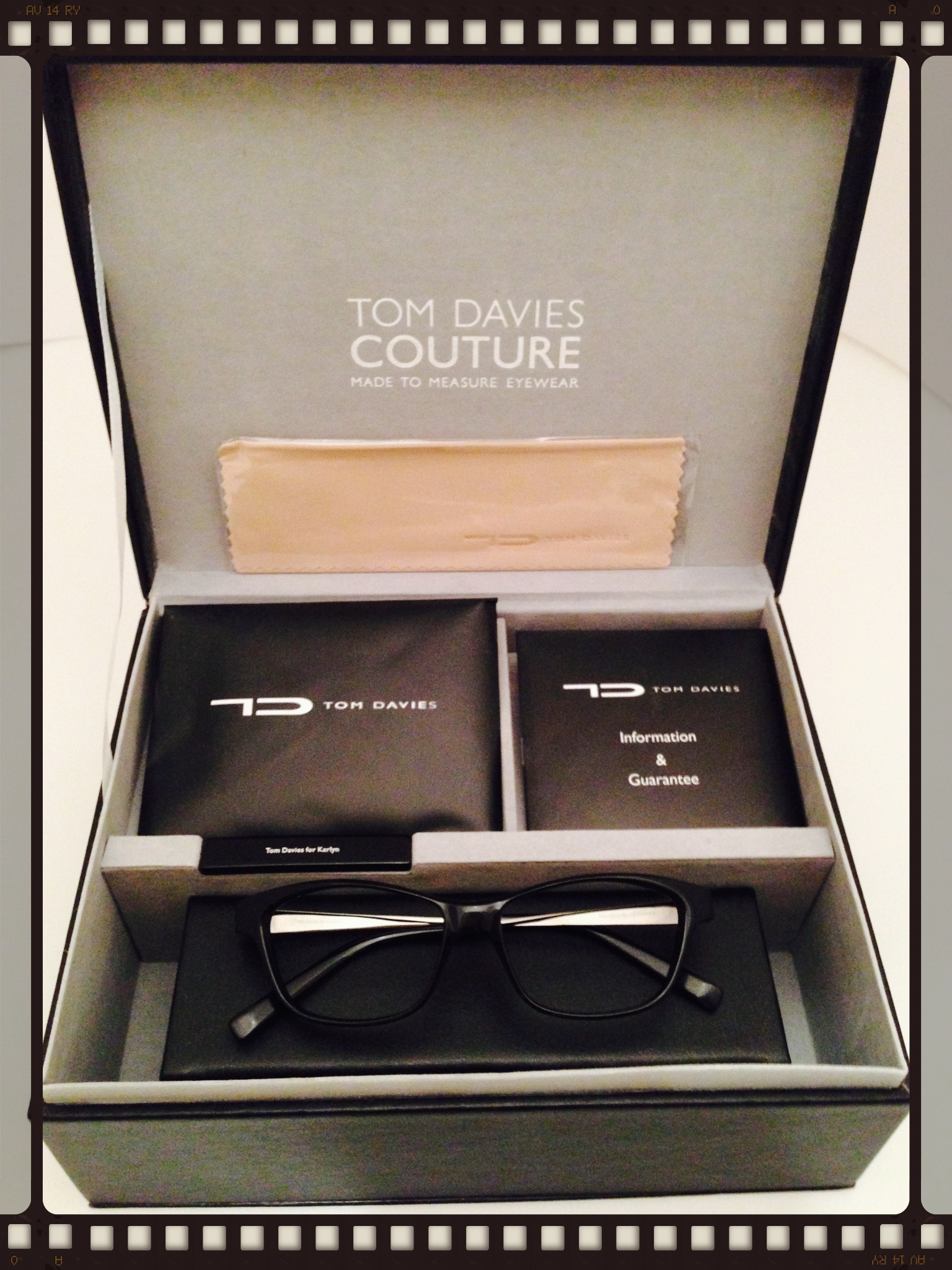 eye-bar-tom-davies-couture-eyewear.jpg