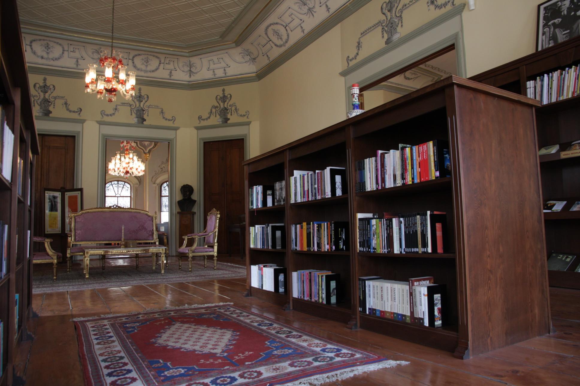 La bibliothèque (c) Erinç Salor