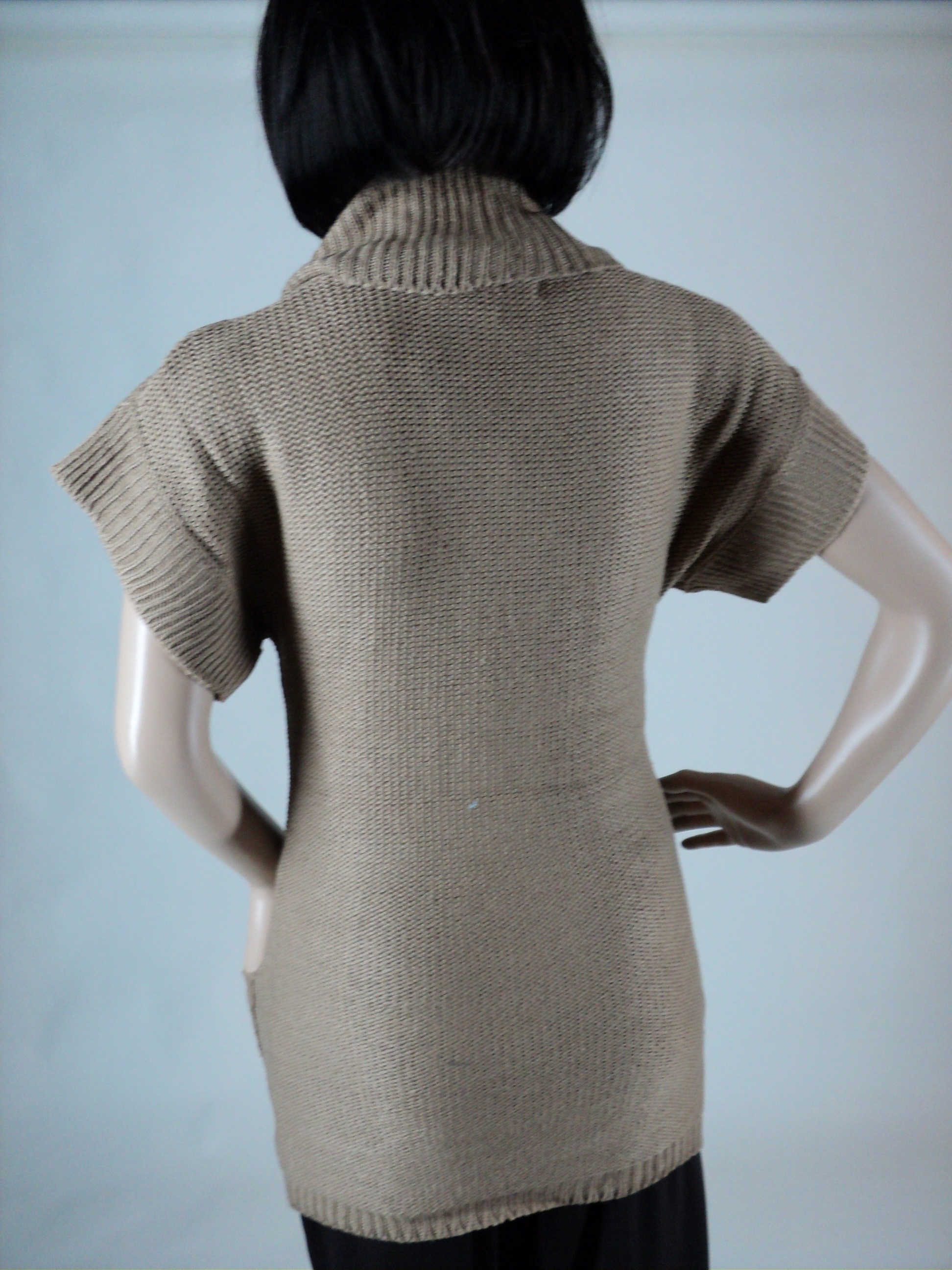 Tan Short Sleeve Sweater_Back2.jpg